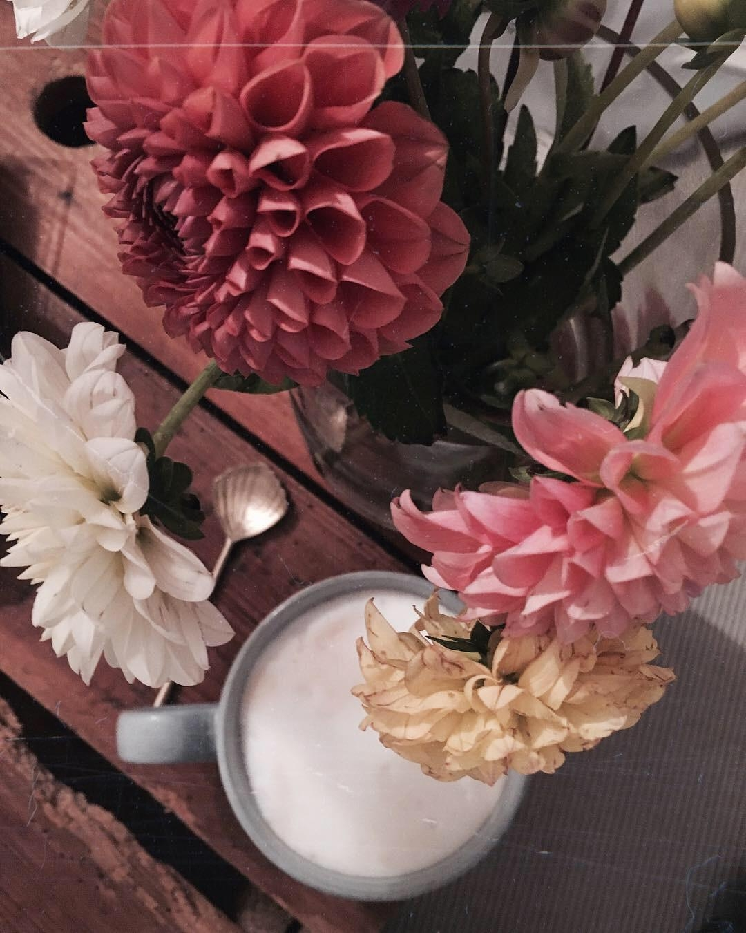 Coffee and flowers ☕️🌸