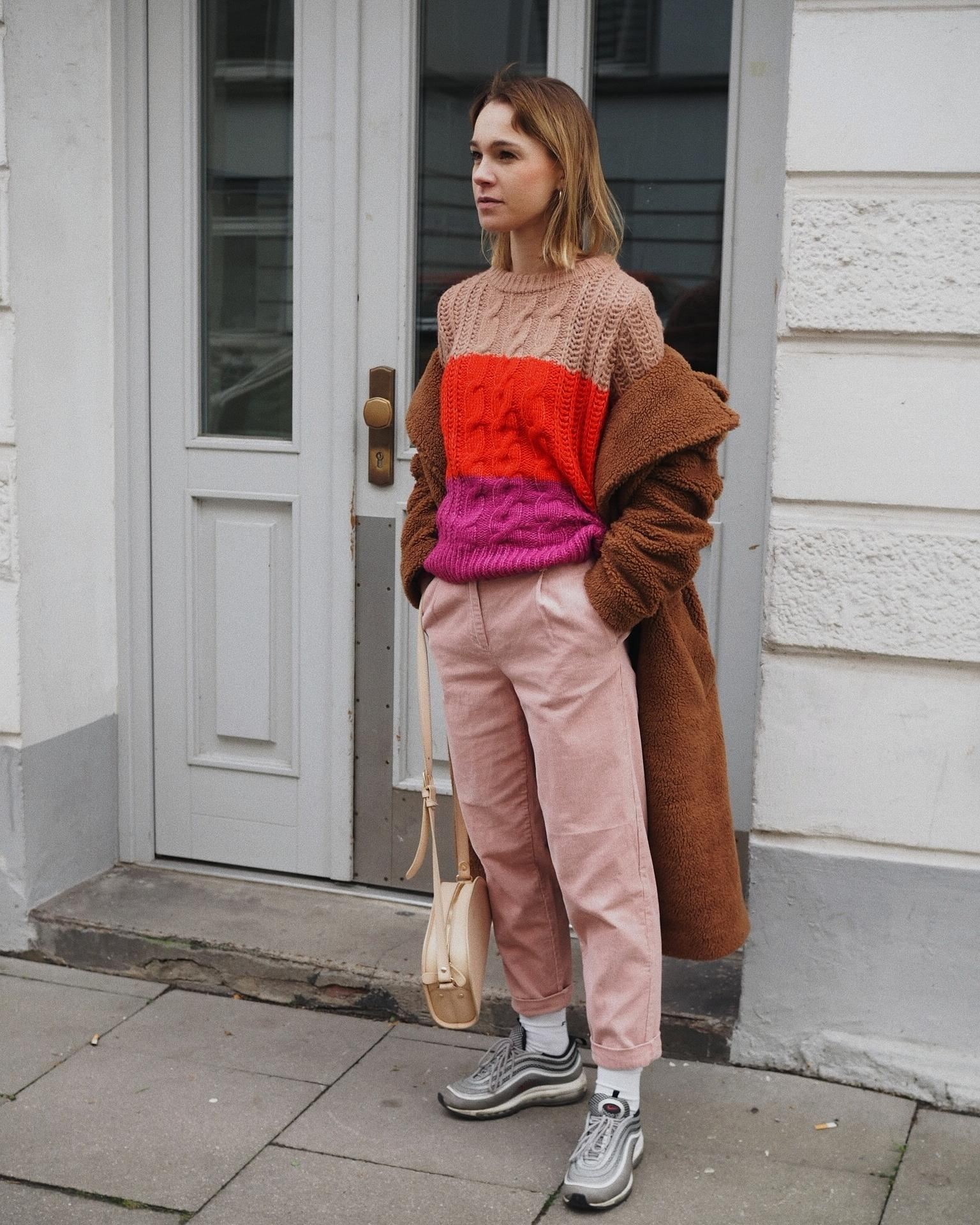 Colour blocking ❤️ 💜 #fashion #streetfashion #streetstyle #outfit #fashioncrush #winteroutfit