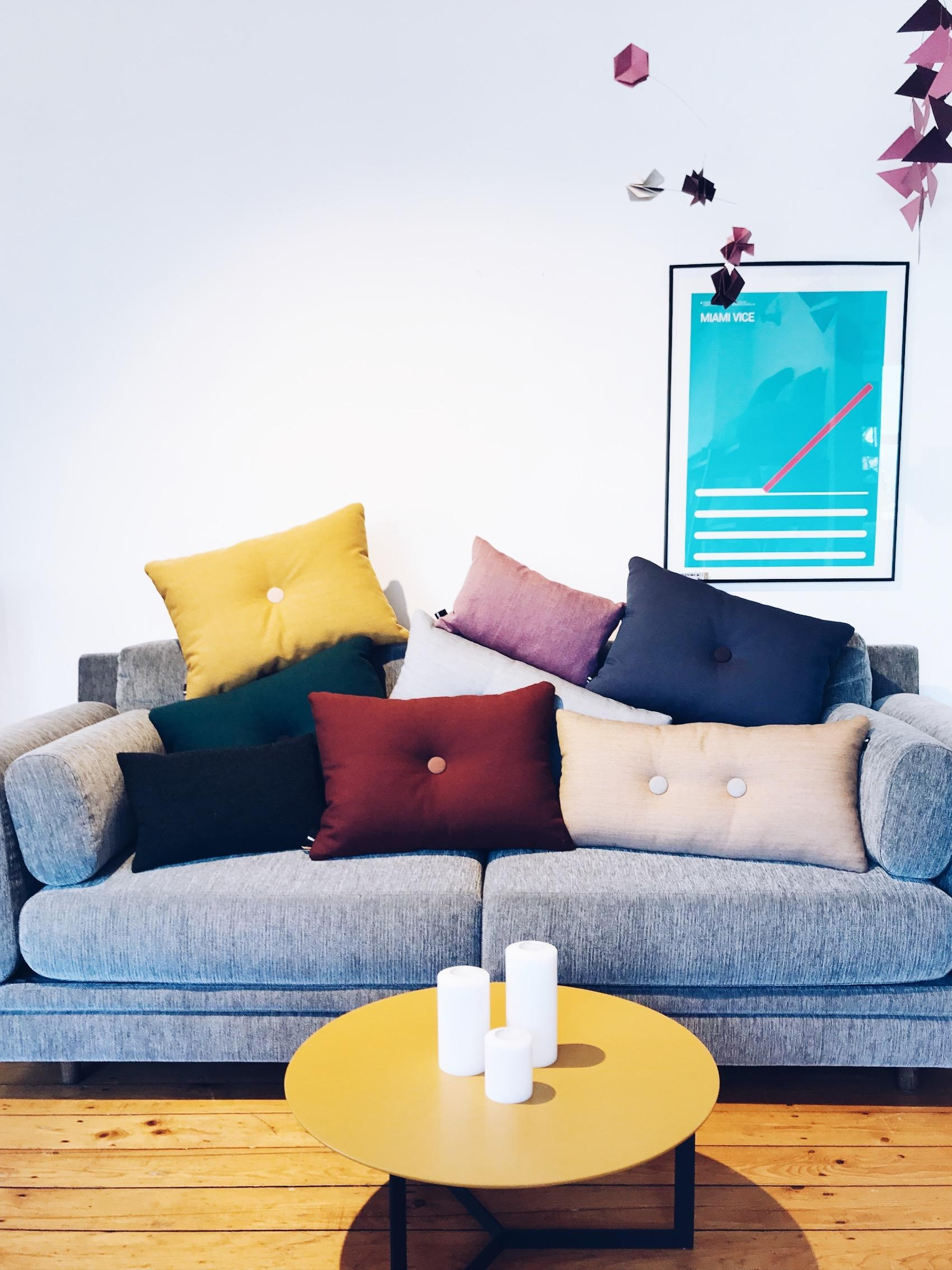 #colourful #haydesign #couchliebt #couchstyle #sofa #interior #cozy #wohnzimmer #living #deko #couch