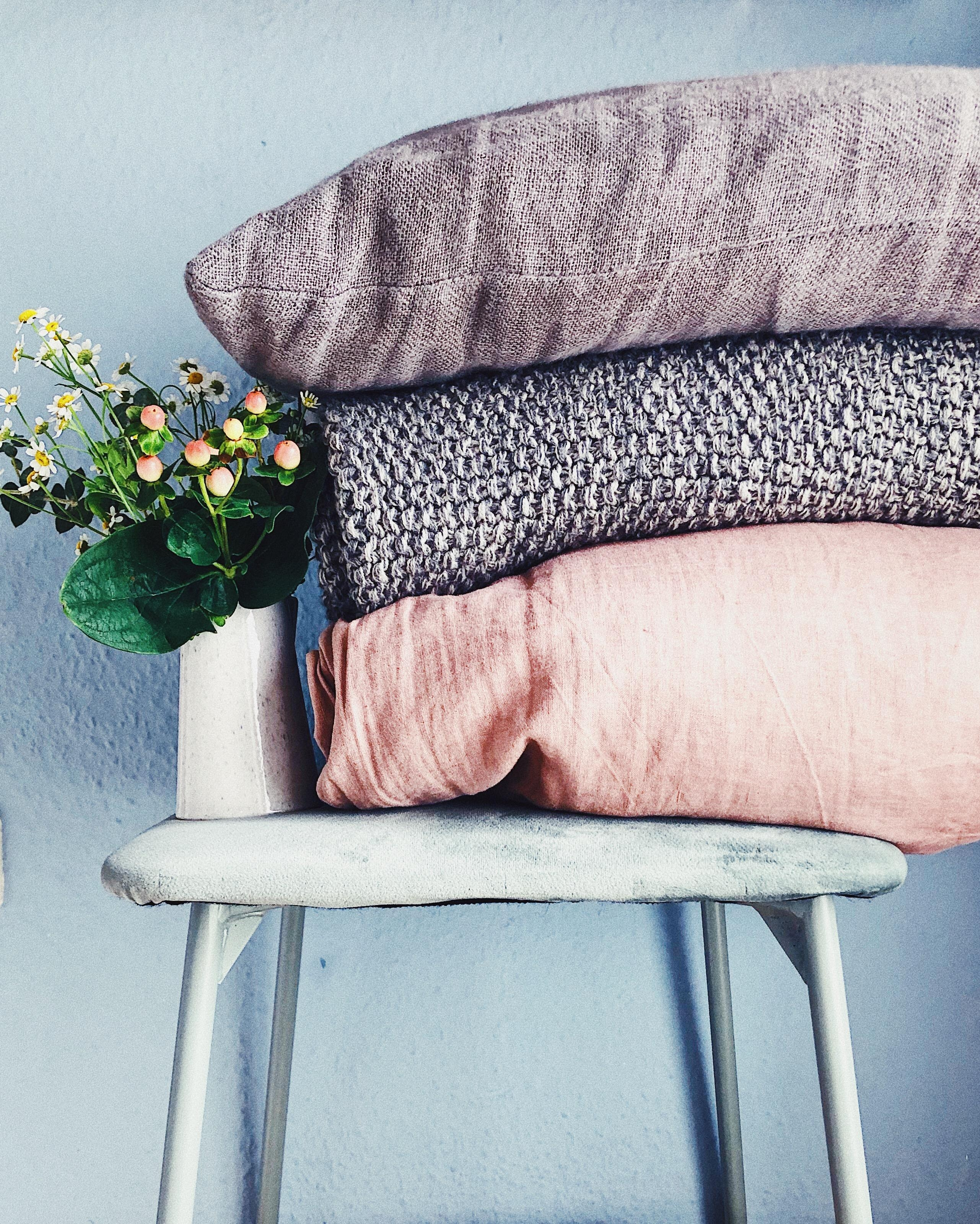 COLOURS