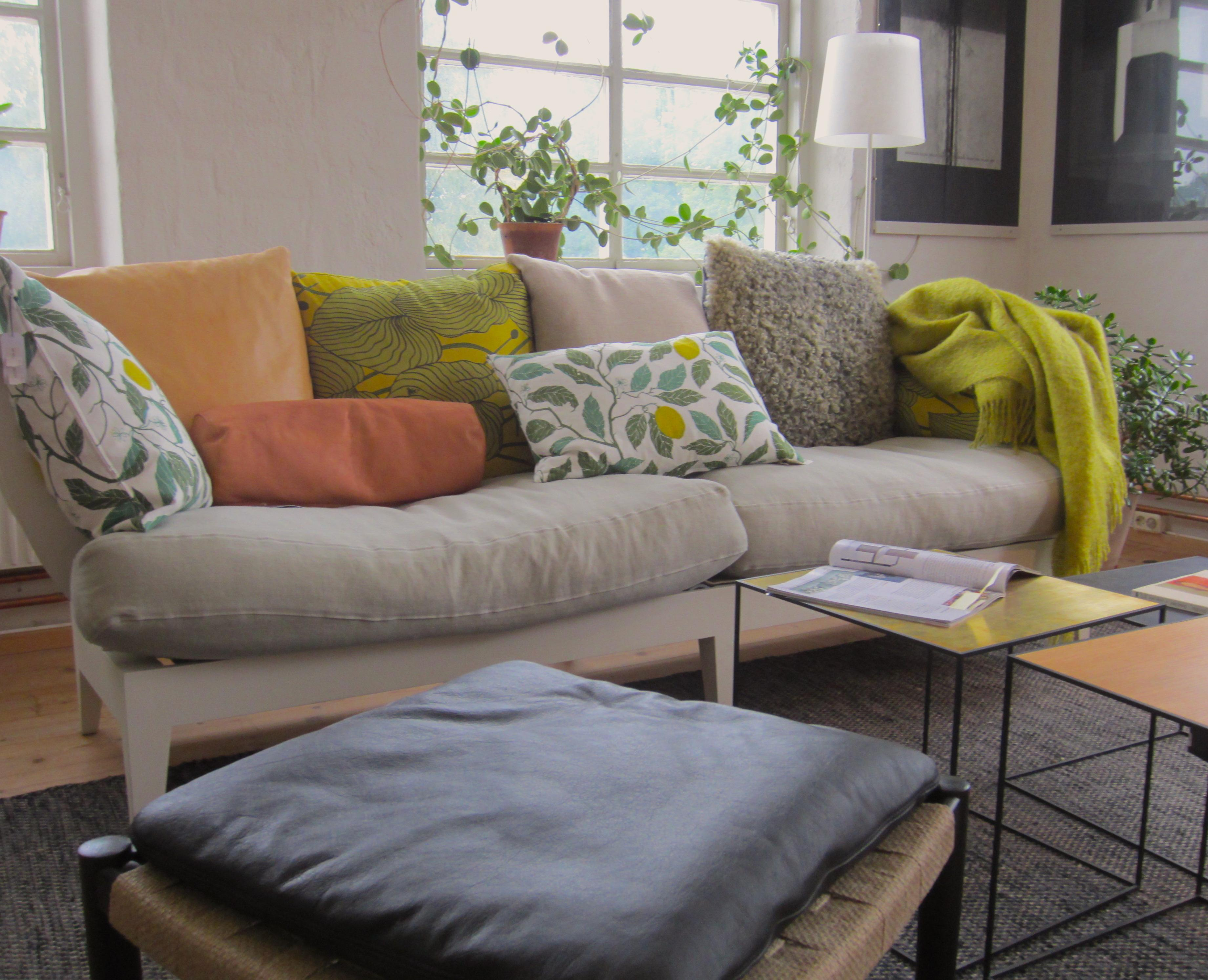 Kissen Wohnzimmer.Kissen Dekorative Wohnideen Bei Couch
