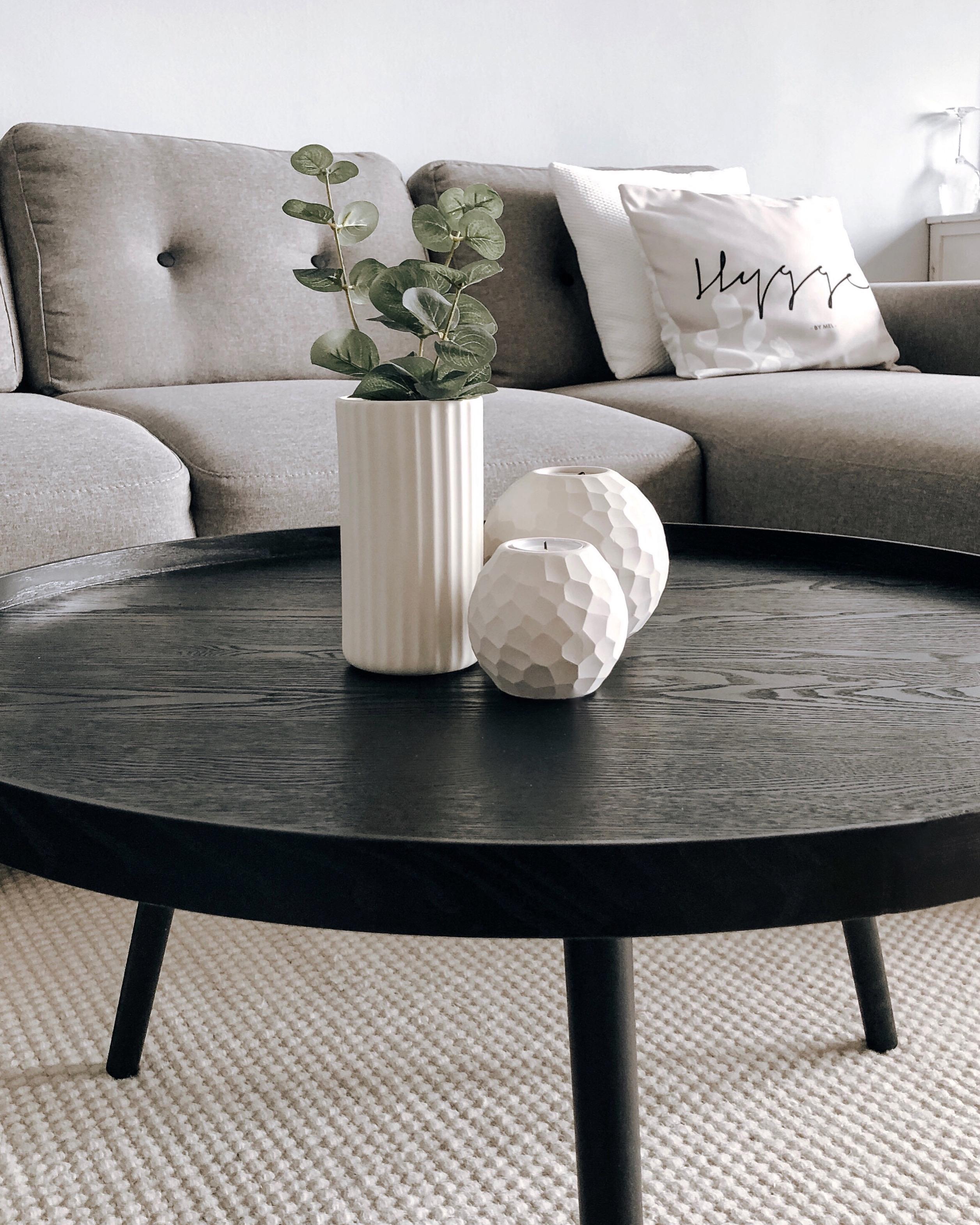 Couch Wohnzimmer Couchtisch Beige Deko Interio