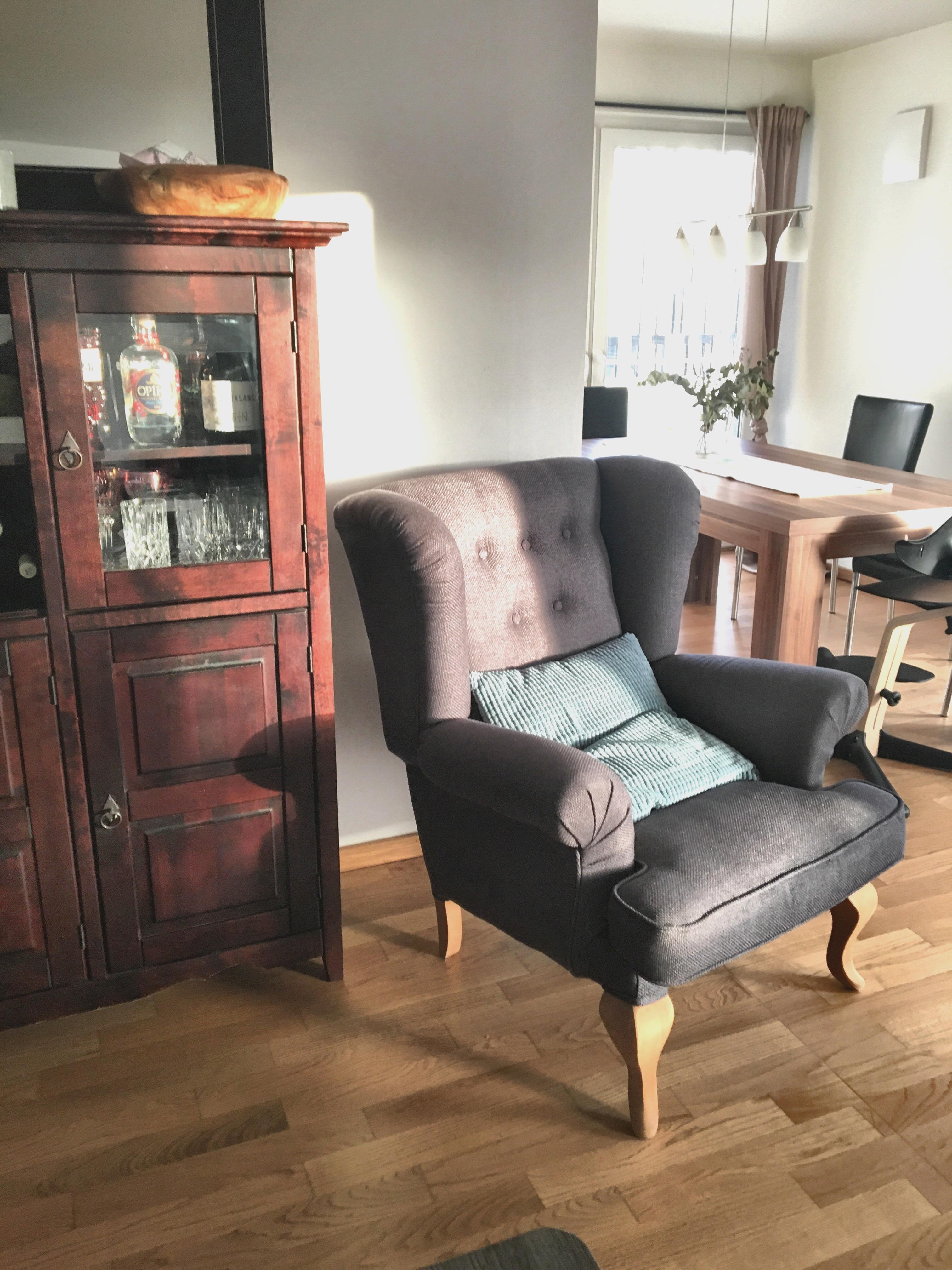 #couchliebt #wohnzimmer #sessel #holz #whiteinterior #home