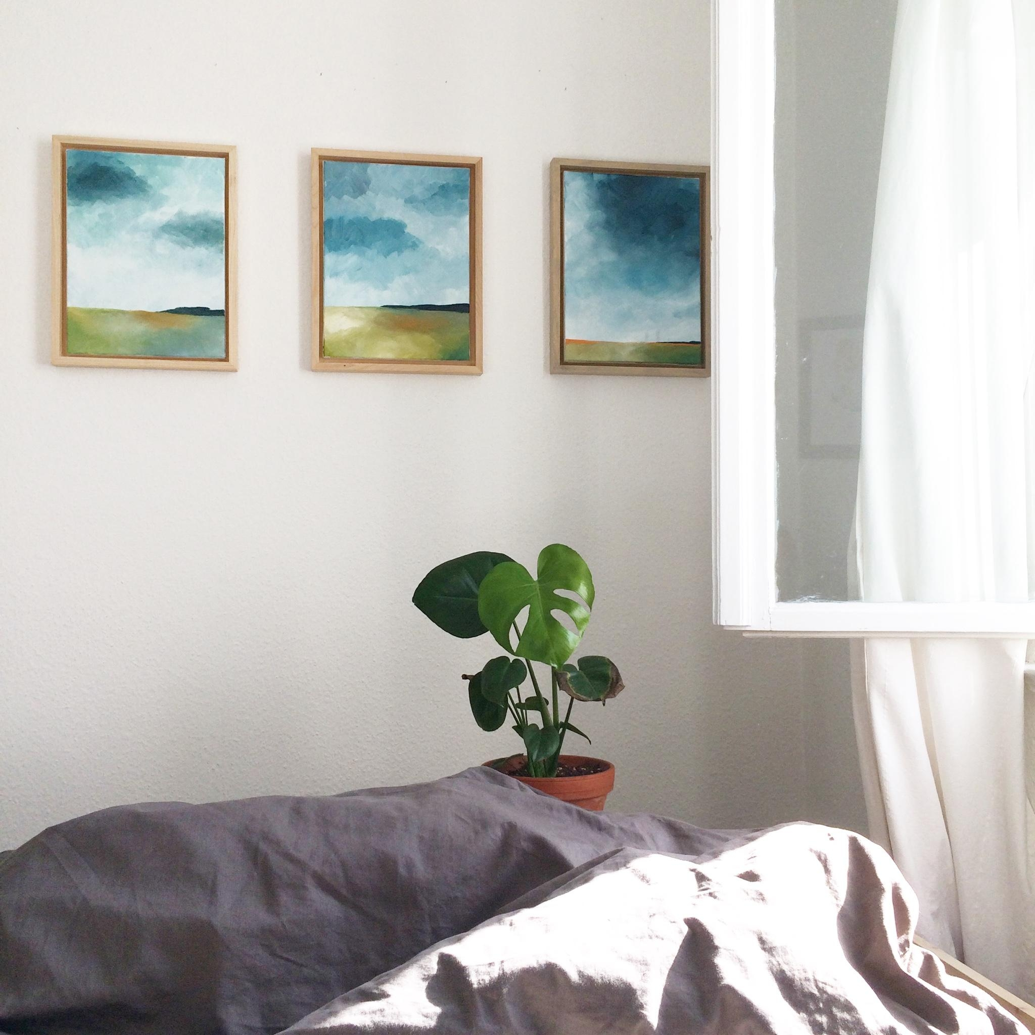 Current view + new #art #gallerywall #bilder #schlafzimmer #bett #youdesignme #kunst #bilderwand #monstera #sundaymood