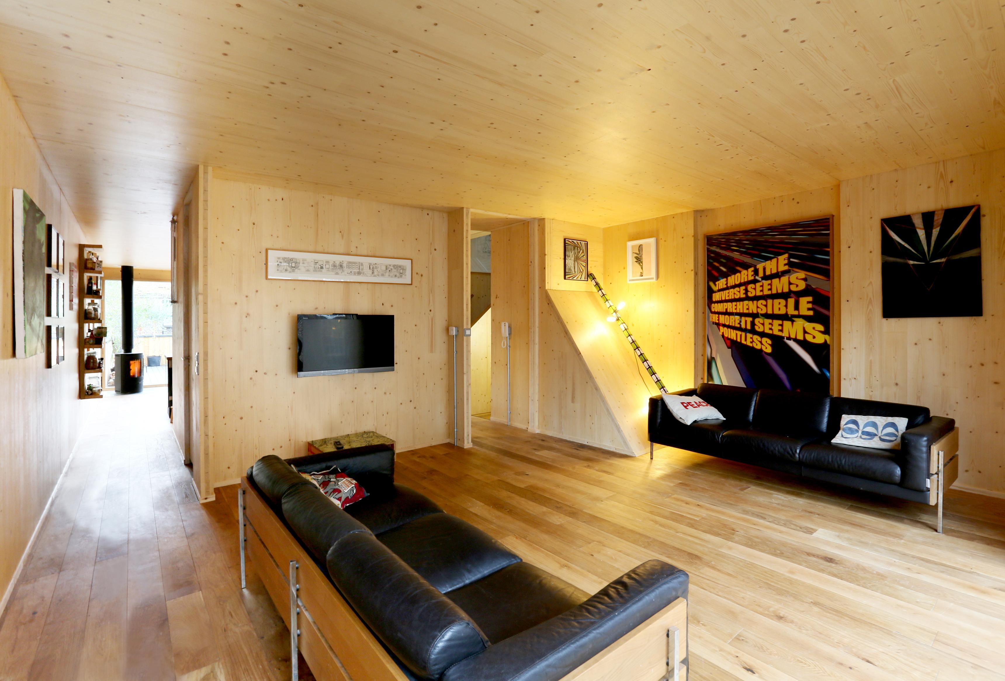 Decken Und Wandverkleidung Aus Holz Ledersofa Holzwand Holzverkleidung Sofa