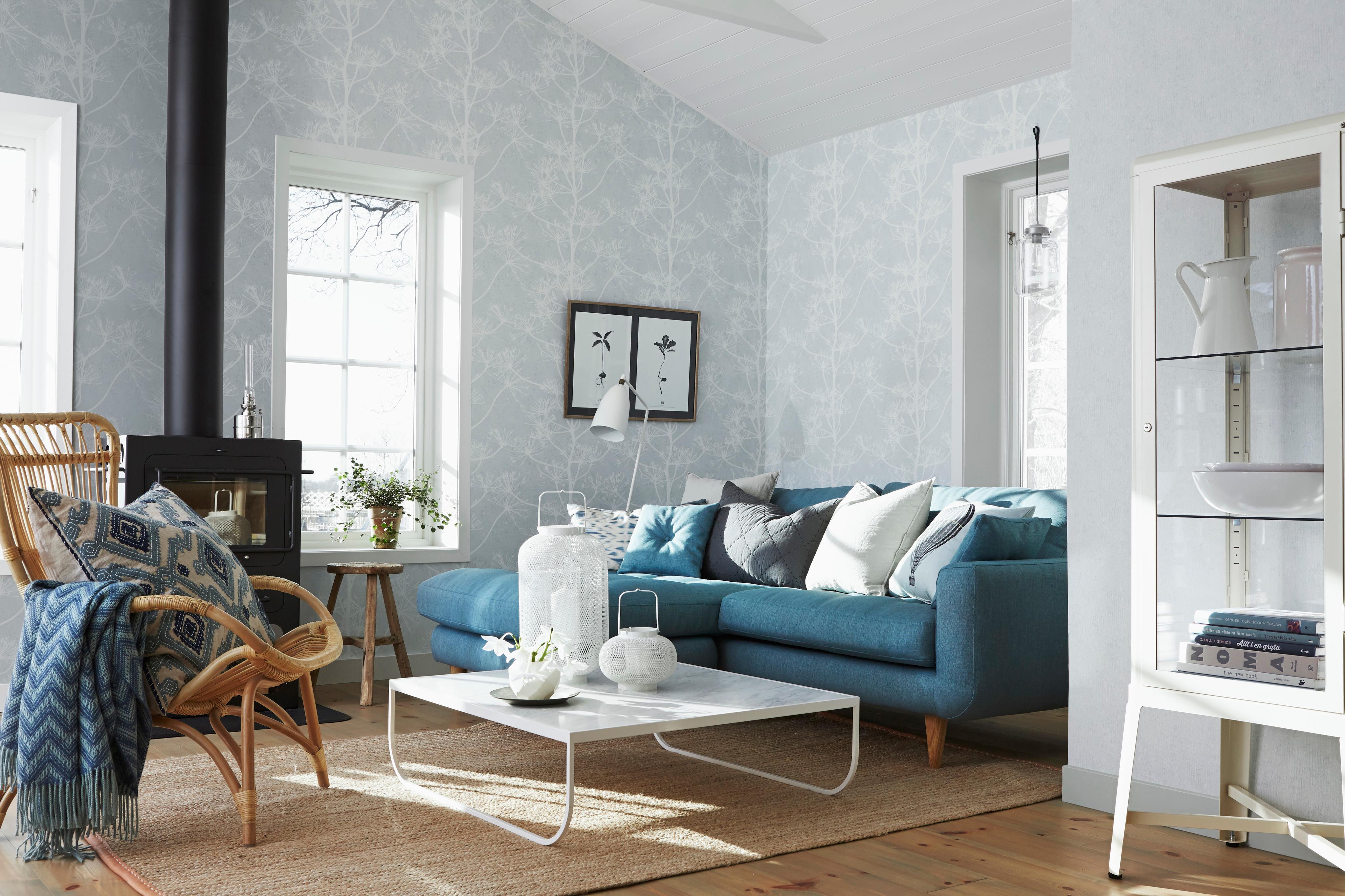 Dekokissen Verschönern Das Wohnzimmer #couchtisch #kamin #sessel #stehlampe  #sofa #mustertapete
