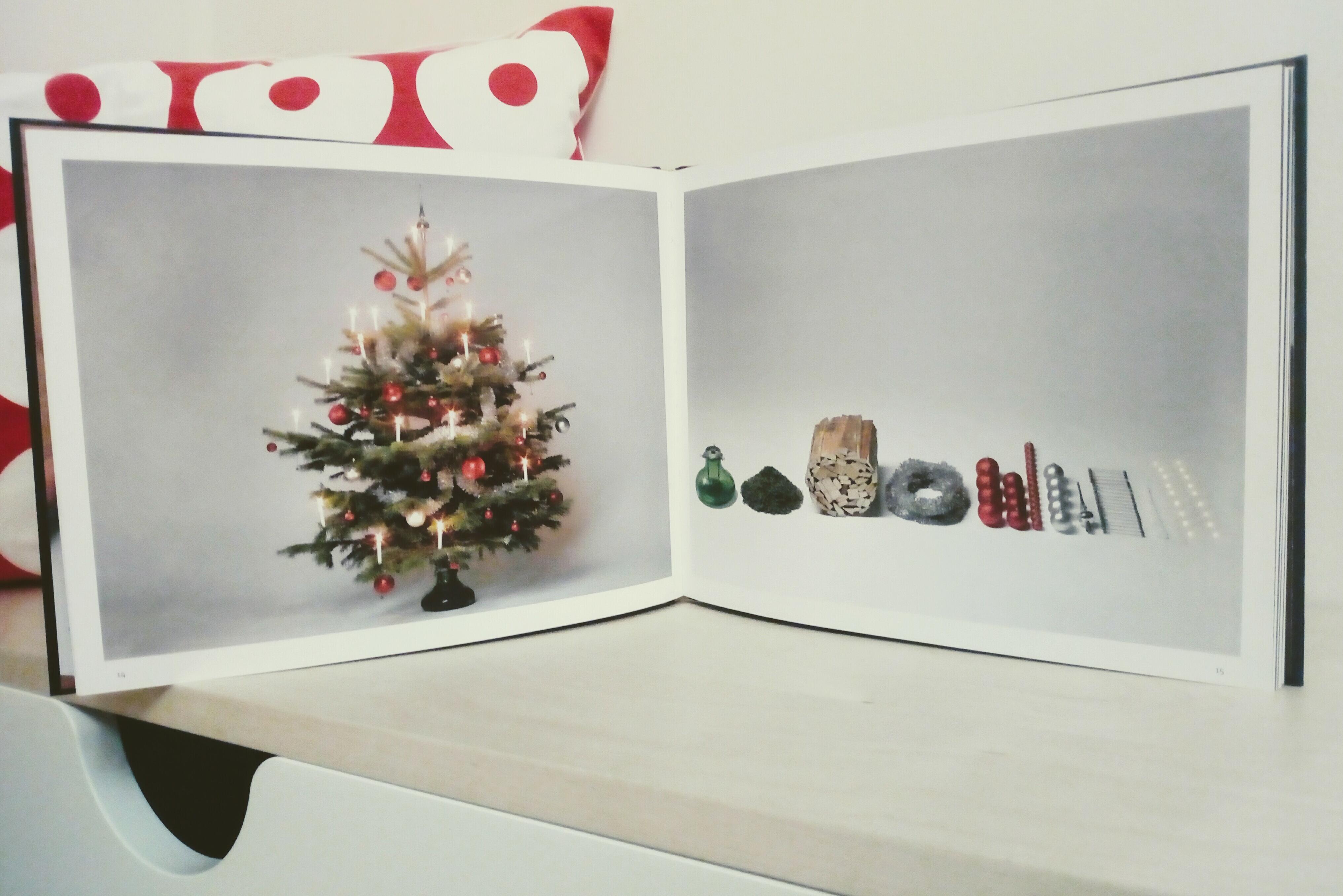 Der Letzte Weihnachtsbaum.Der Letzte Abend Morgen Nehmen Wir Abschied Vom Wei