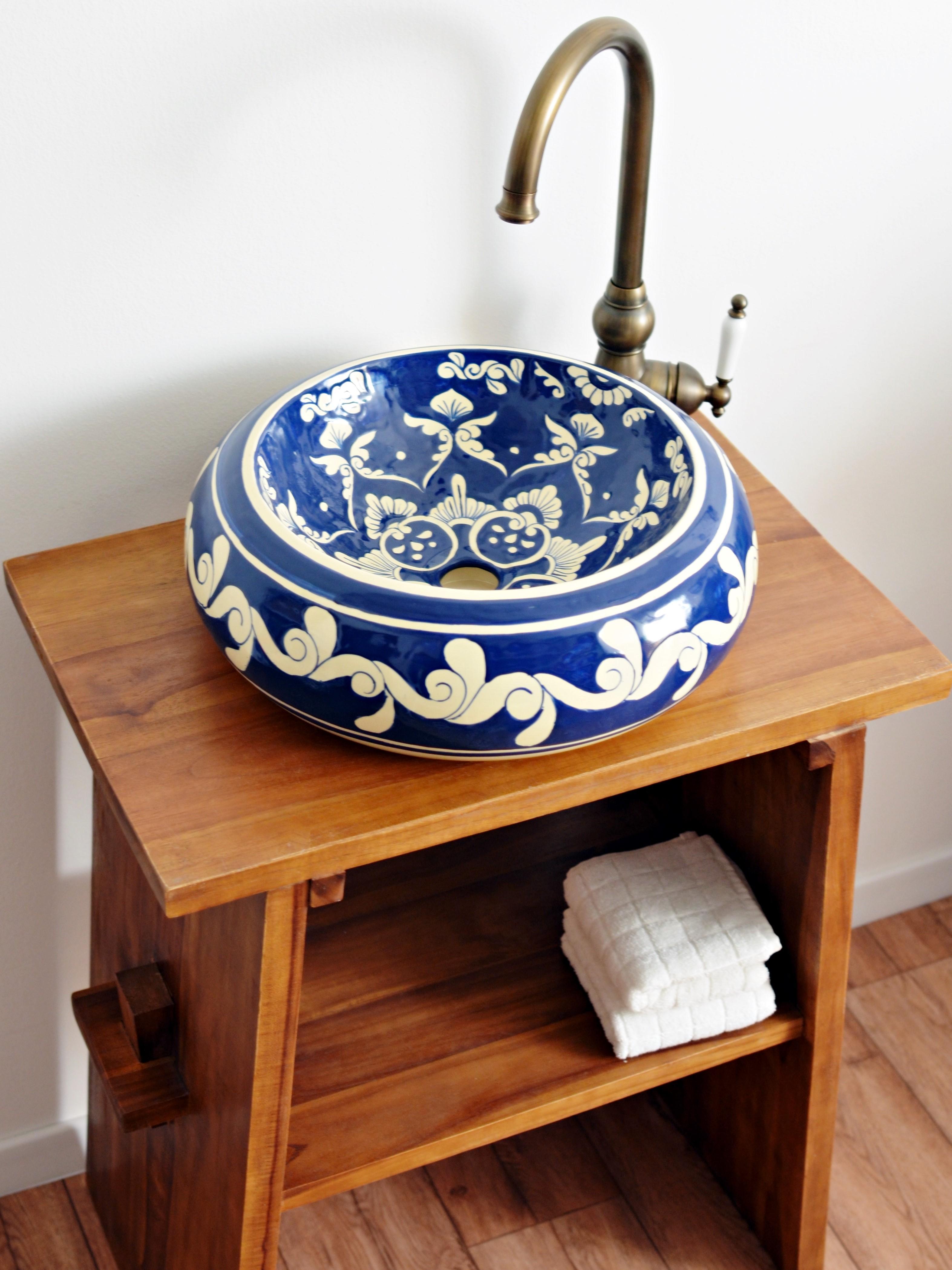 Amazing Design Waschbecken Aus Mexiko Von Mexambiente Mediterran Waschtisch  Badezimmer Gaestewc Mexikanisch Rustikal Blau Bb Ef Cac With Waschbecken  Auf ...