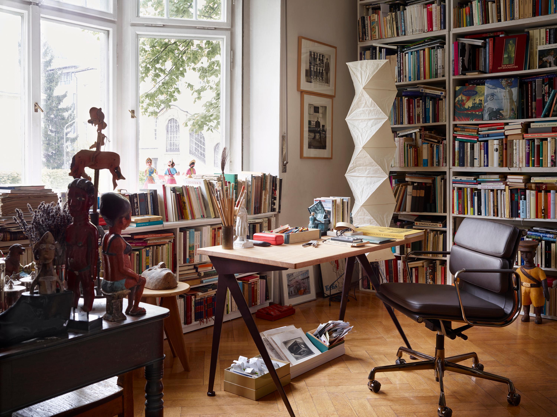 Designermöbel im Arbeitszimmer #eklektisch #bücherre...
