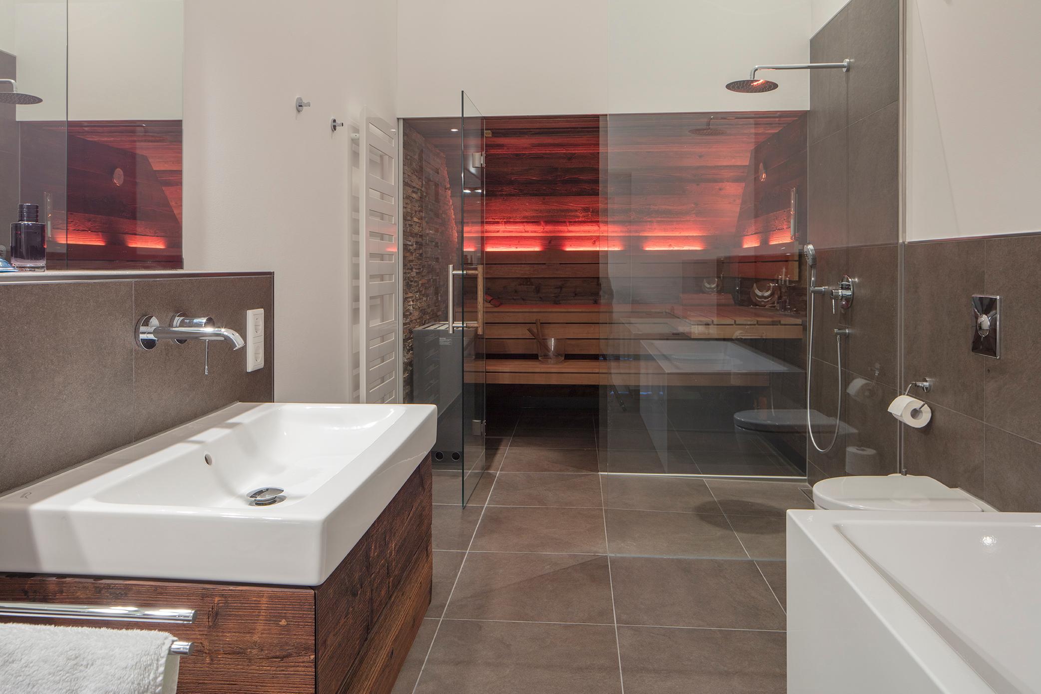 designsauna mit altholz sauna badsauna corso saun. Black Bedroom Furniture Sets. Home Design Ideas