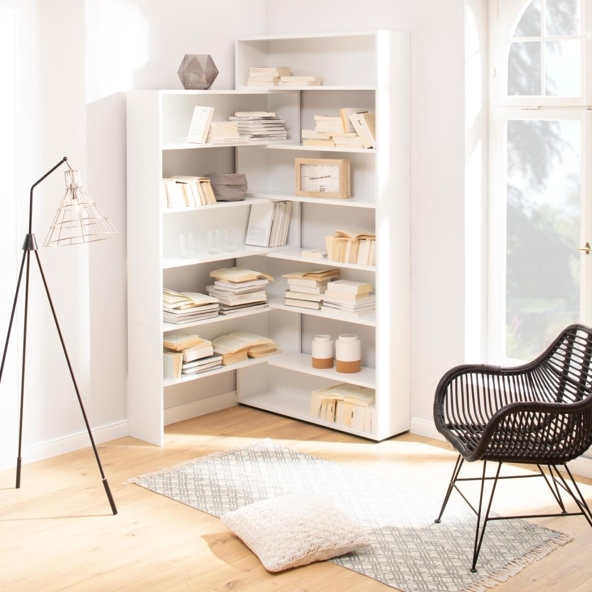 raumteiler kreativ einsetzen inspiration bei couch. Black Bedroom Furniture Sets. Home Design Ideas