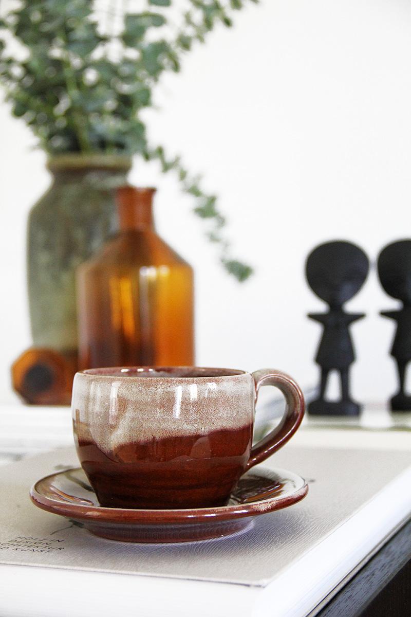details aus einer berliner altbauwohnung wohnzimmer. Black Bedroom Furniture Sets. Home Design Ideas