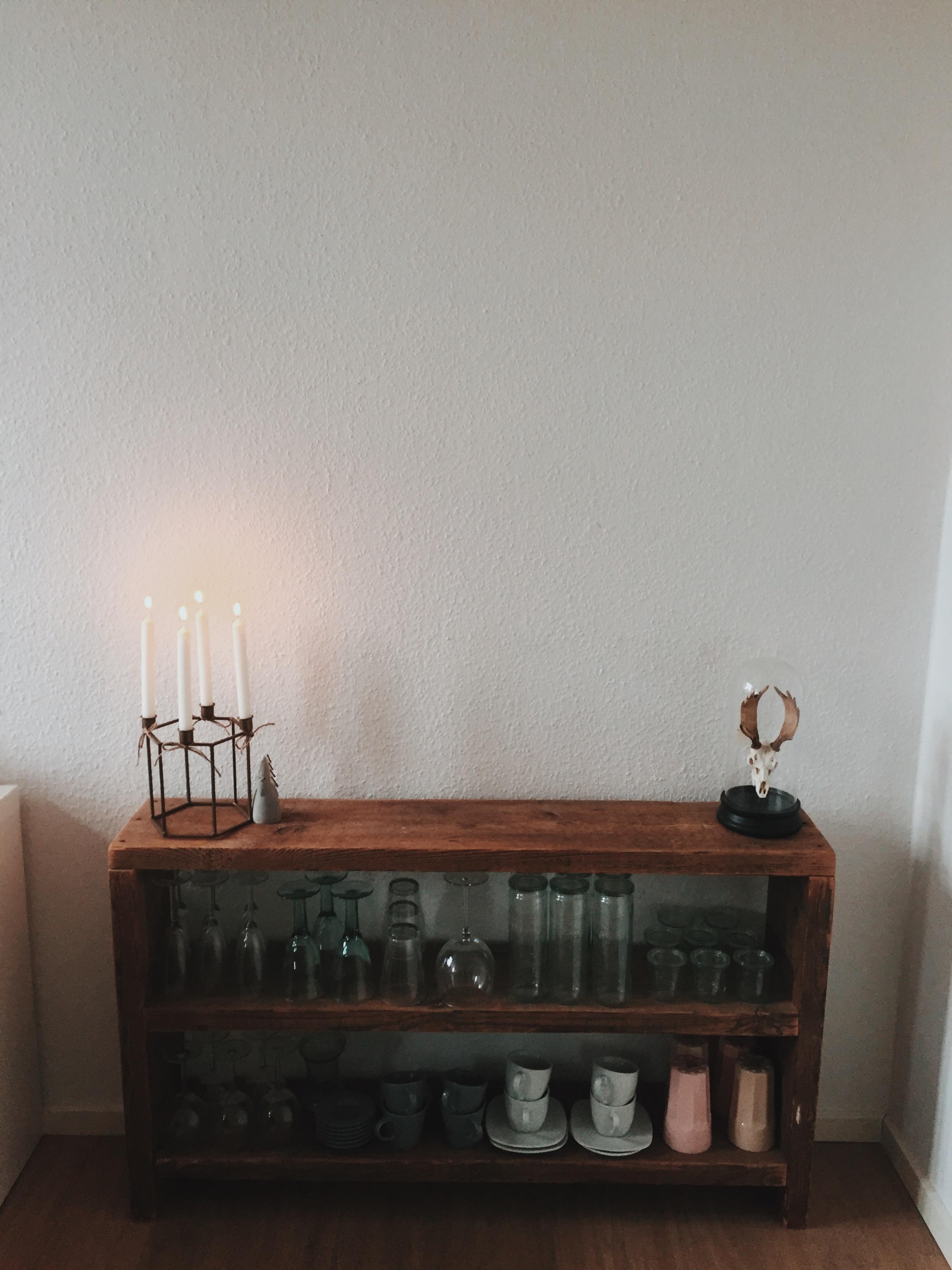 Das Holzregal ist der Klassiker unter den Regalen – Wir zeigen dir