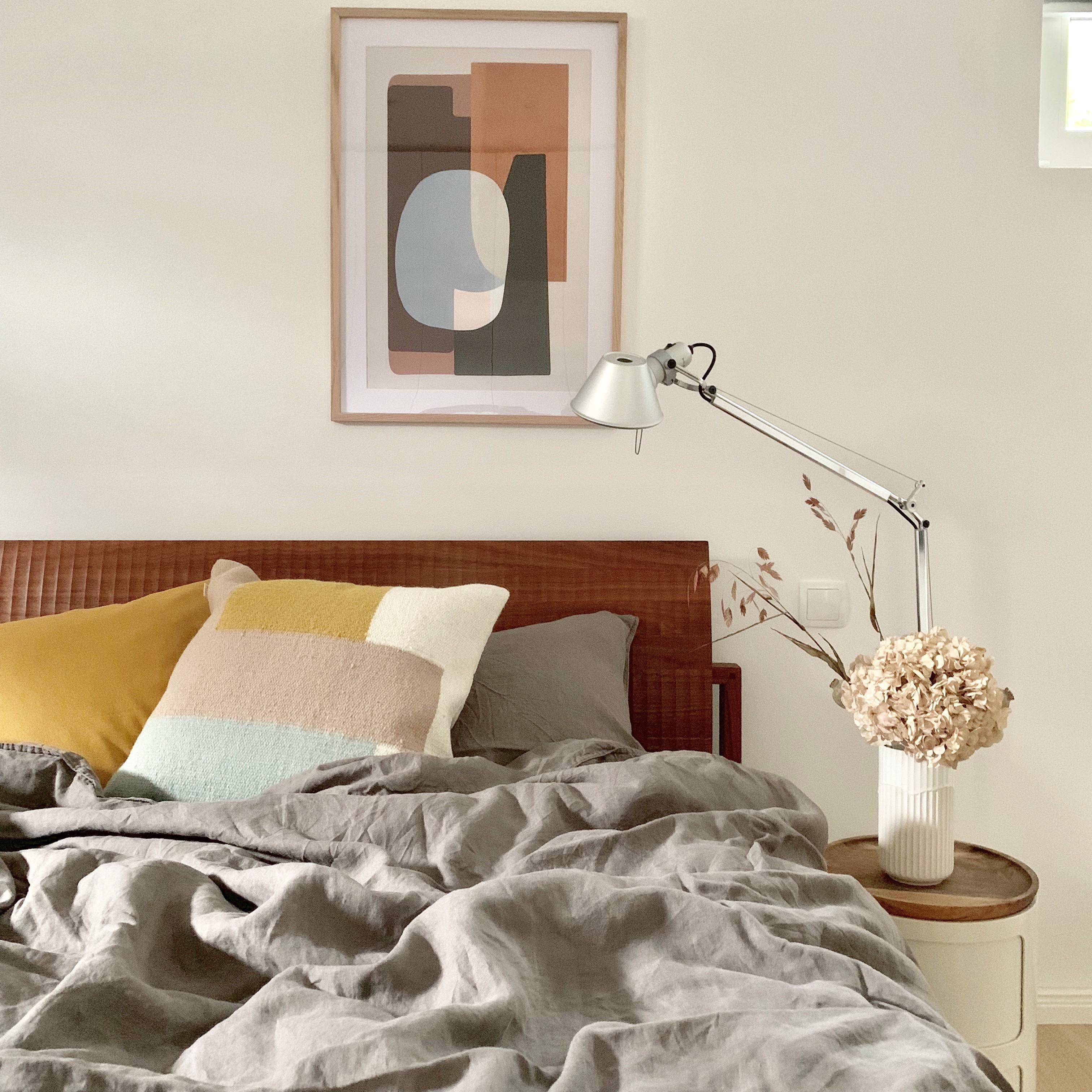 Die #Farben im #schlafzimmer sind ganz auf #herbst e...