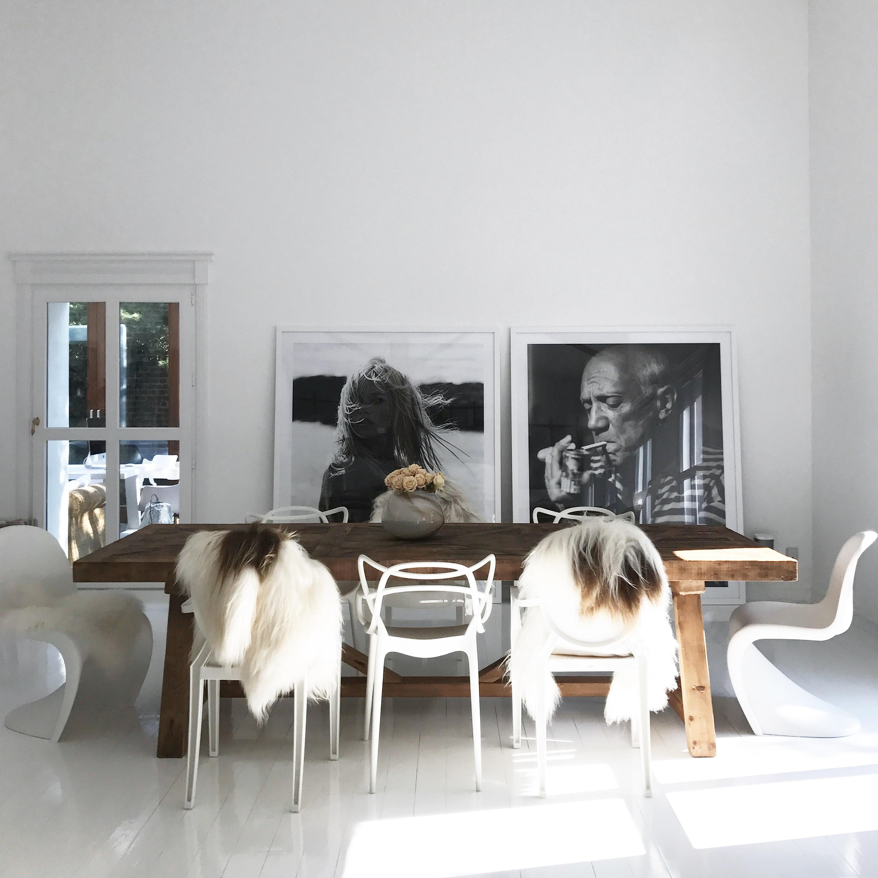 Die Kombination Aus Tollen Möbeln Und Schöner #kunst Gefällt Lena Terlutter  #esszimmer #bilderrahmen