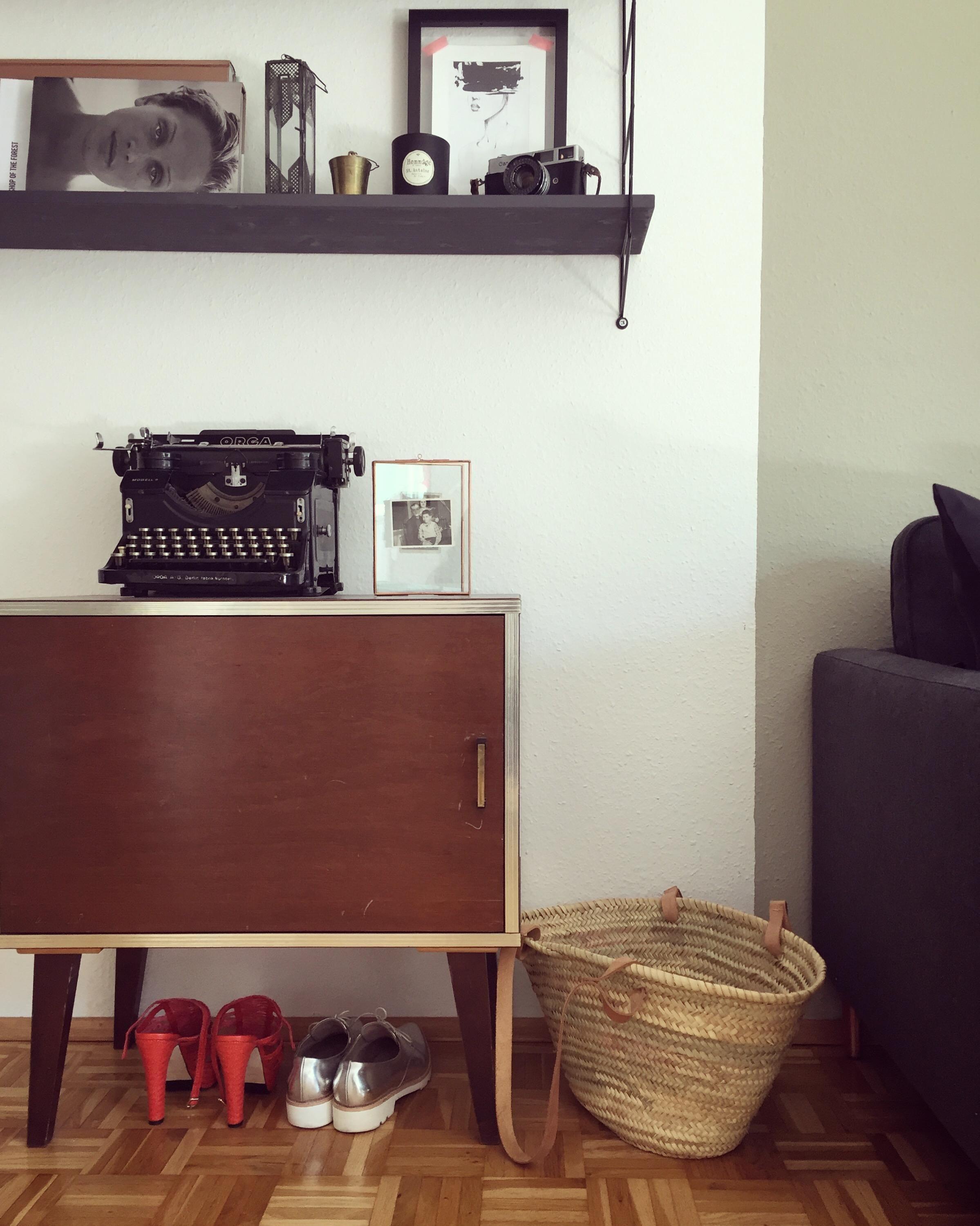 Die Mischung Aus Alt Neu Couchliebt Vintage Moebel Interieur Wohnzimmer  Stauraum Altundneu Dekoration A92a5d4f B518 41b8