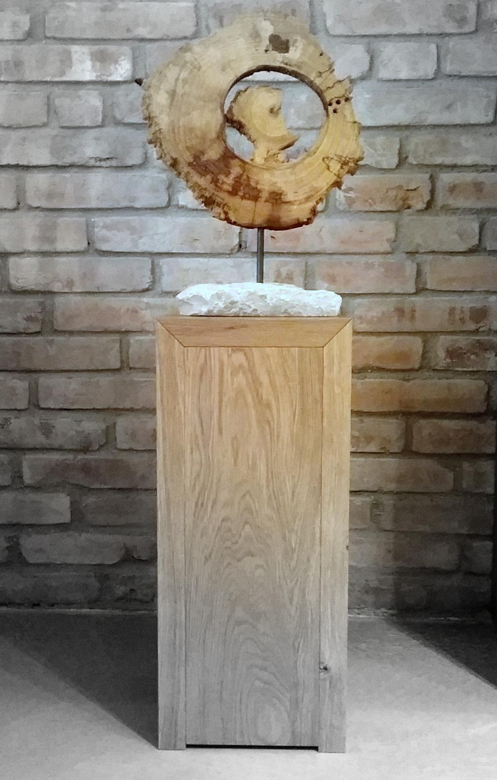 Diese #bizzare #Dekoscheibe Auf #Steinsockel, Von Hand Bearbeitet  #Holzstele #Sektkühler