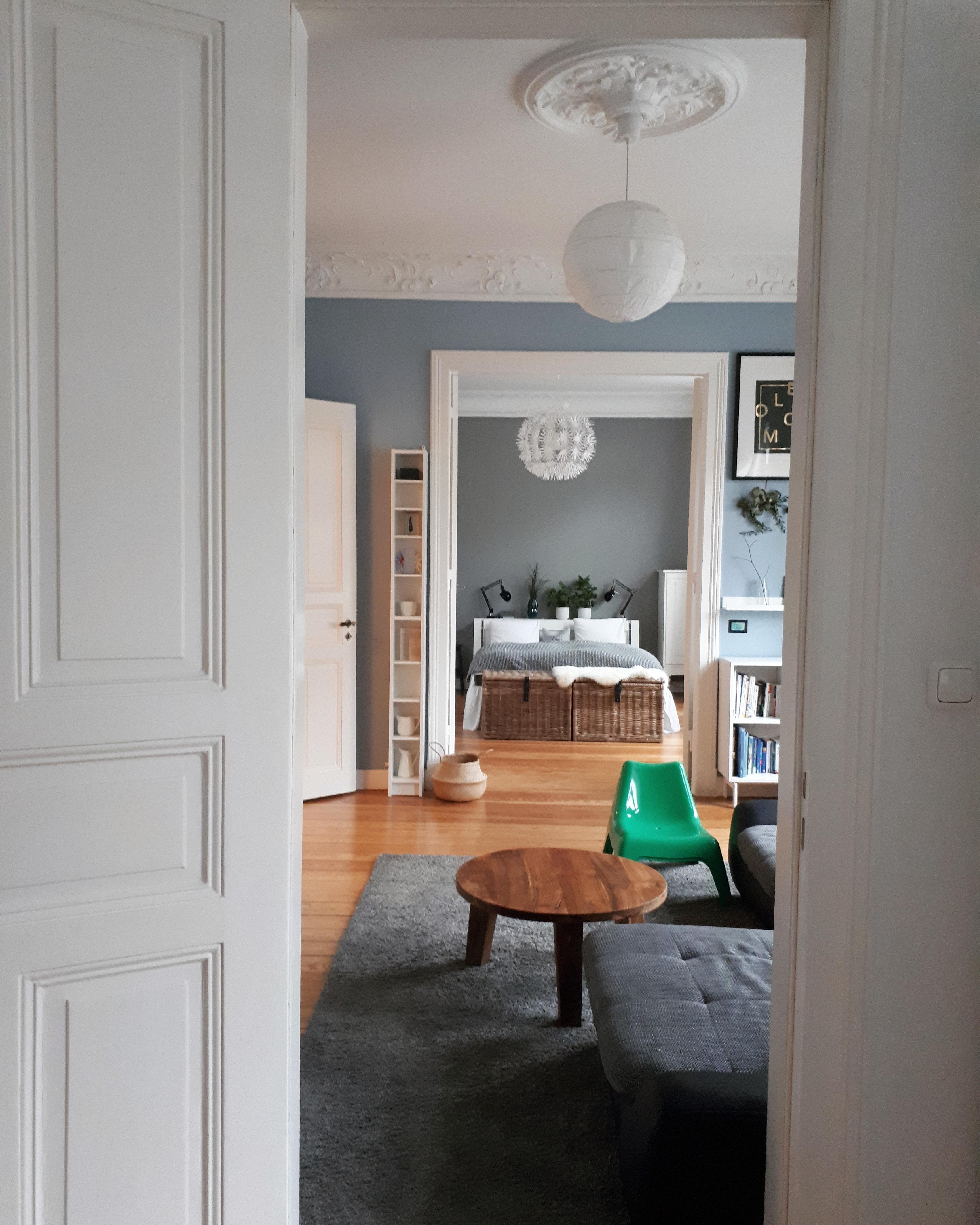 #durchblick #altbau #wohnzimmer #schlafzimmer #stuck #flügeltür #rosette