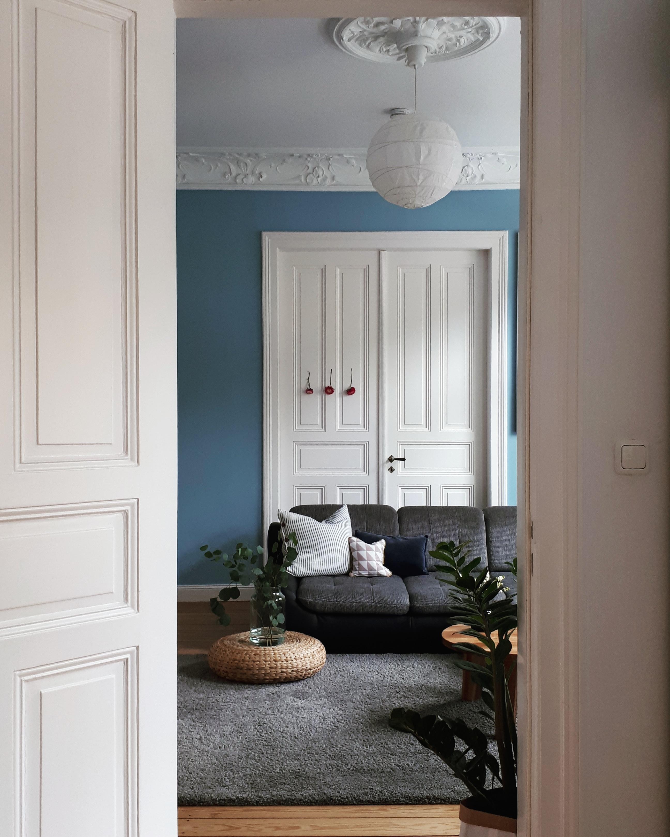 Durchblick Wohnzimmer Altbau Tür Stuck Scandin