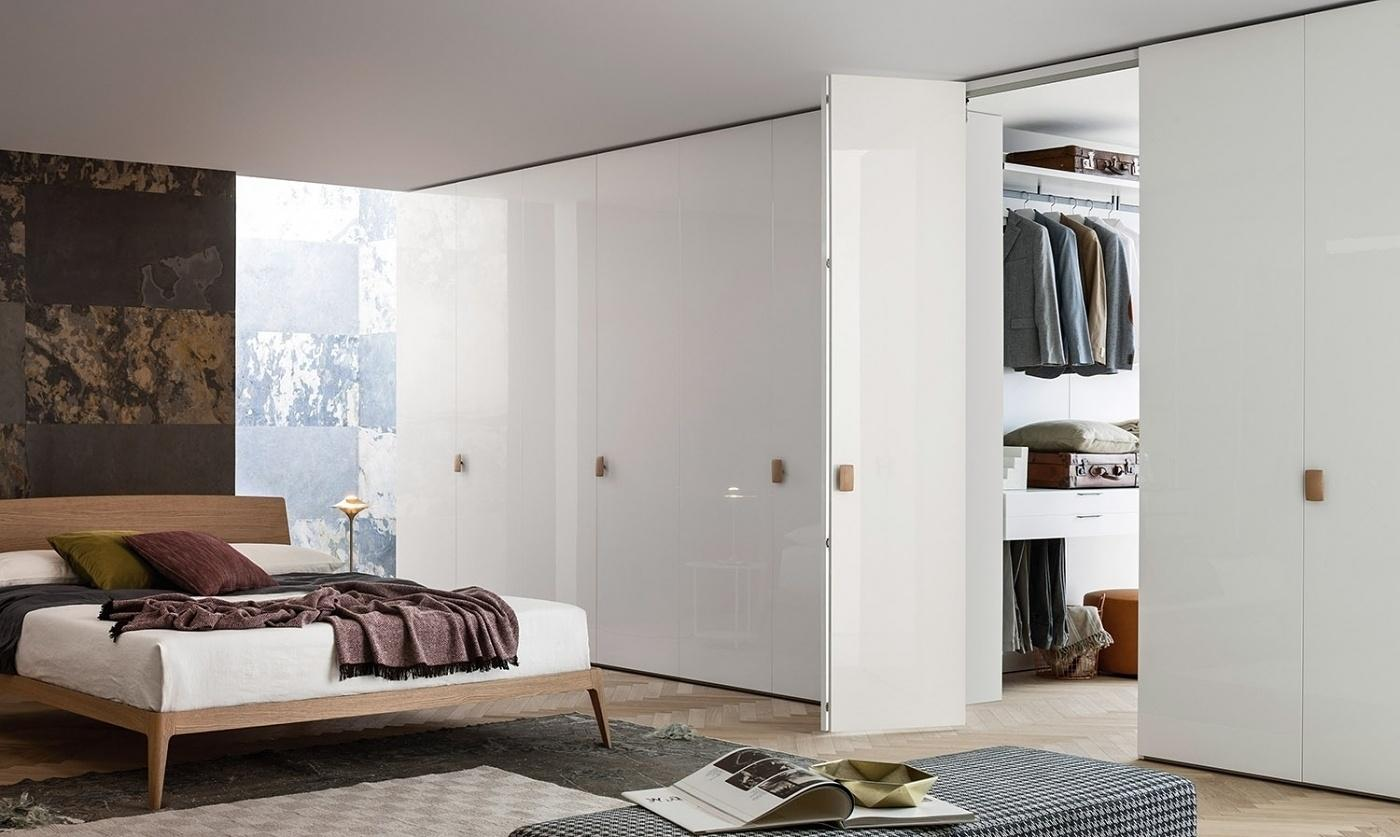 Ein Begehbarer #Kleiderschrank Versteckt Im #Schlafzimmer 😍 #interior