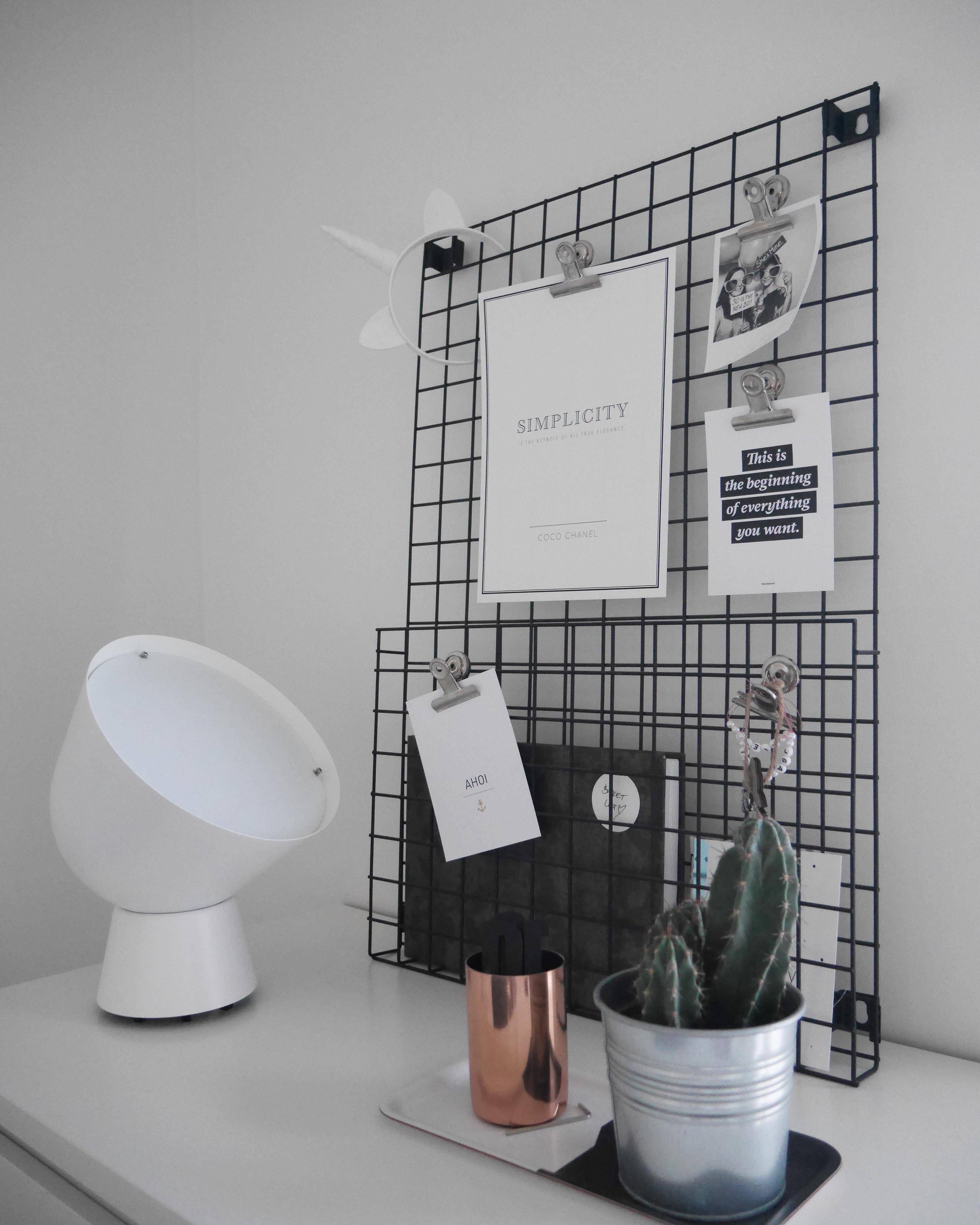 Ein Kleiner Einblick In Mein Schlafzimmer #bedroomdetails #postcardlove  #blackandwhite