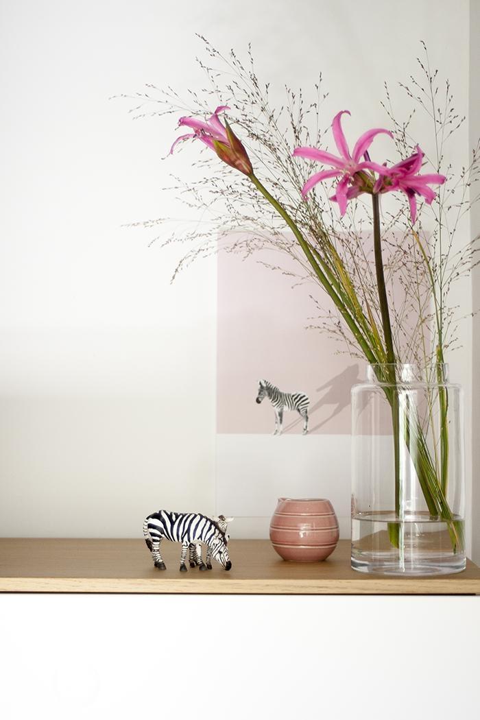 Ein Letzter Blick Auf Das Zebra Jetzt Kommt Die Herbstdeko Rosa Blumen  Graeser 3punktf Fa5755fe 77d1