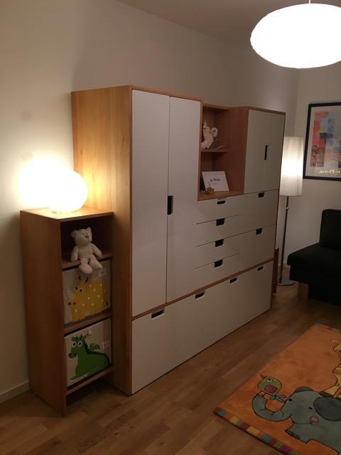 bunte farben f rs kinderzimmer. Black Bedroom Furniture Sets. Home Design Ideas