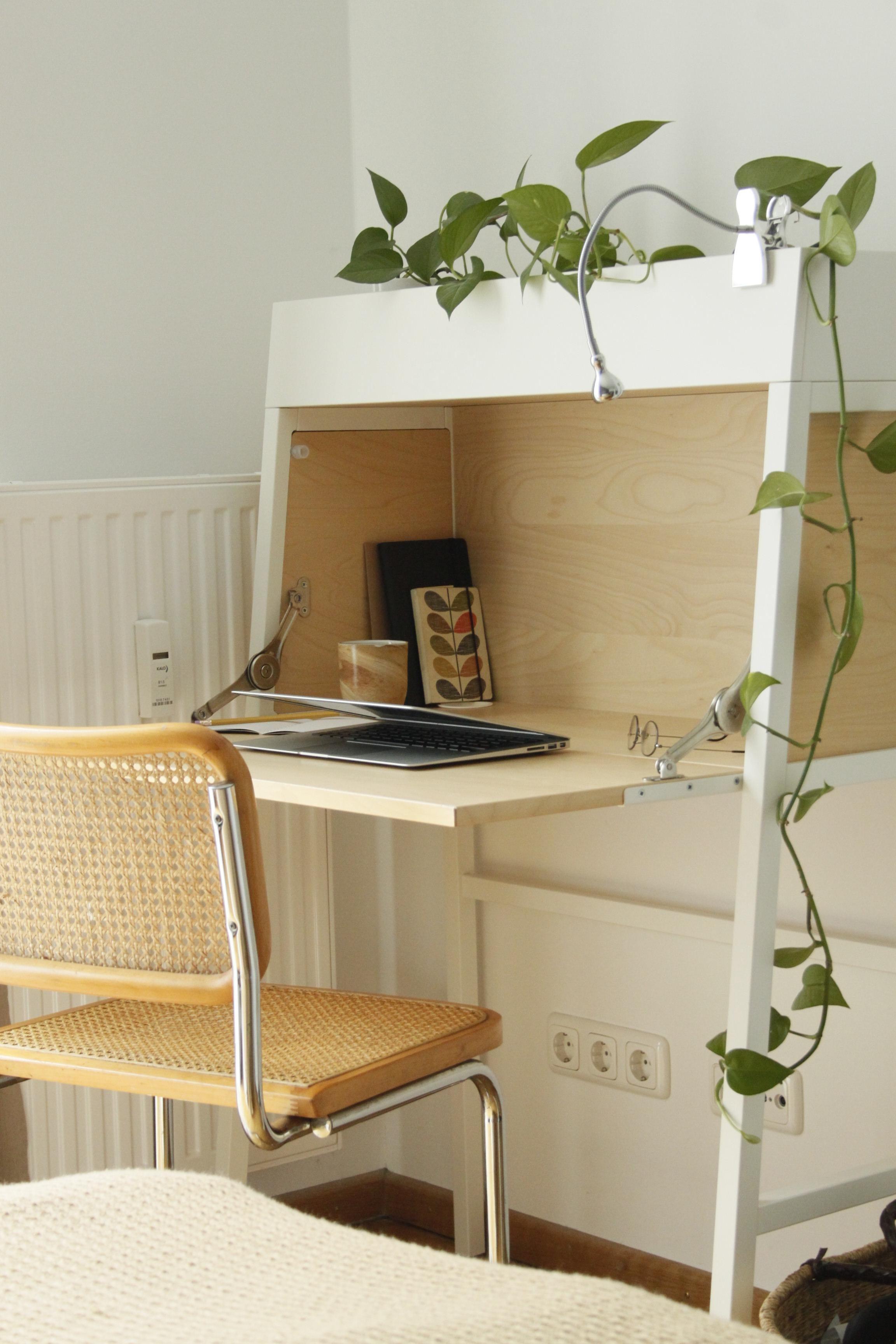 Ein Platzsparender Arbeitsplatz Kompromiss Im Schlafzimmer Homeoffice Ikea  Sekretaer Smallbutclever Schreibtisch 709c8686 9d82 494f 94fd D544b01f72ab