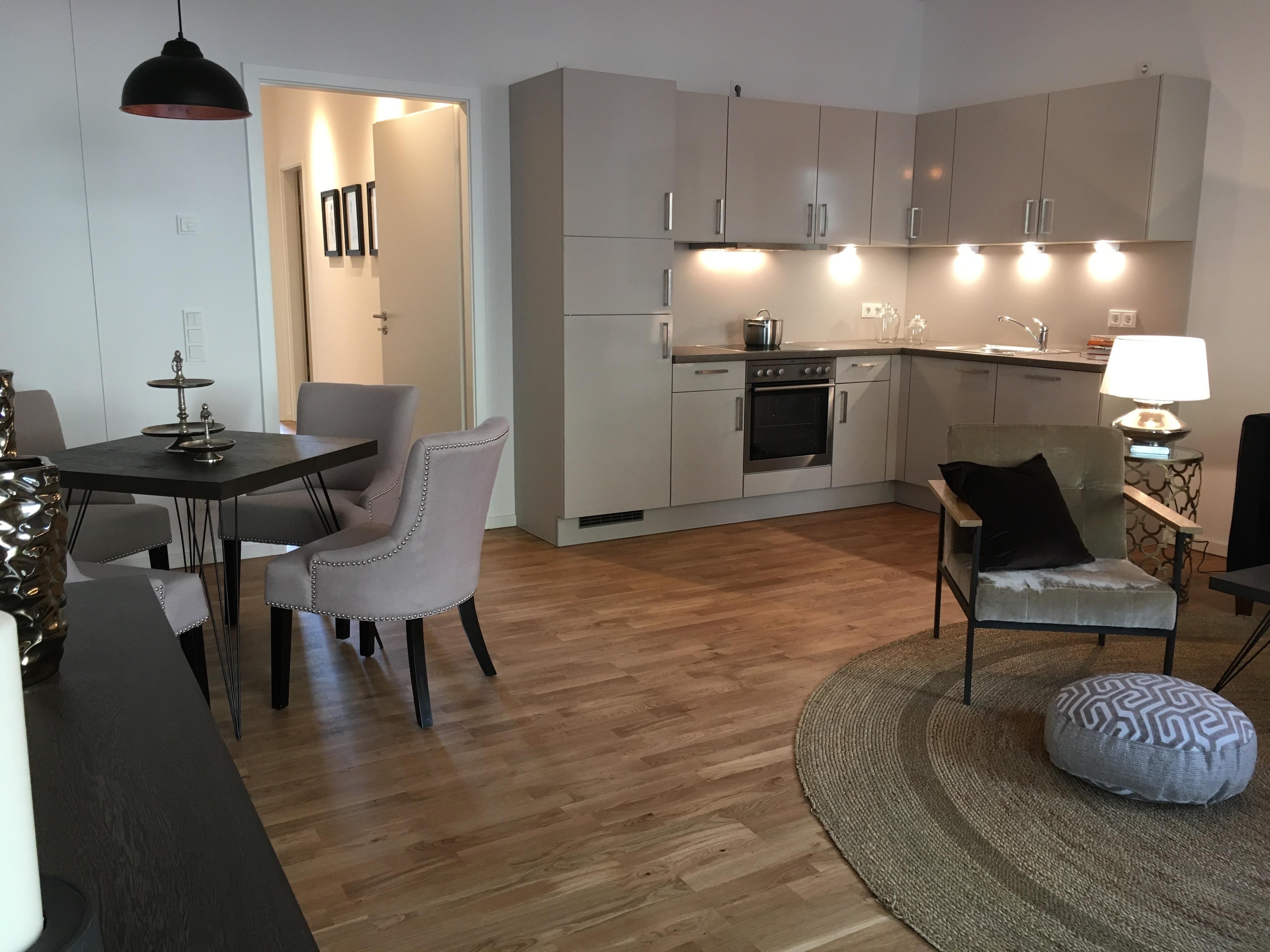 Küche Dunkler Fußboden ~ Weiße küche mit dunklem fußboden u bilder ideen u