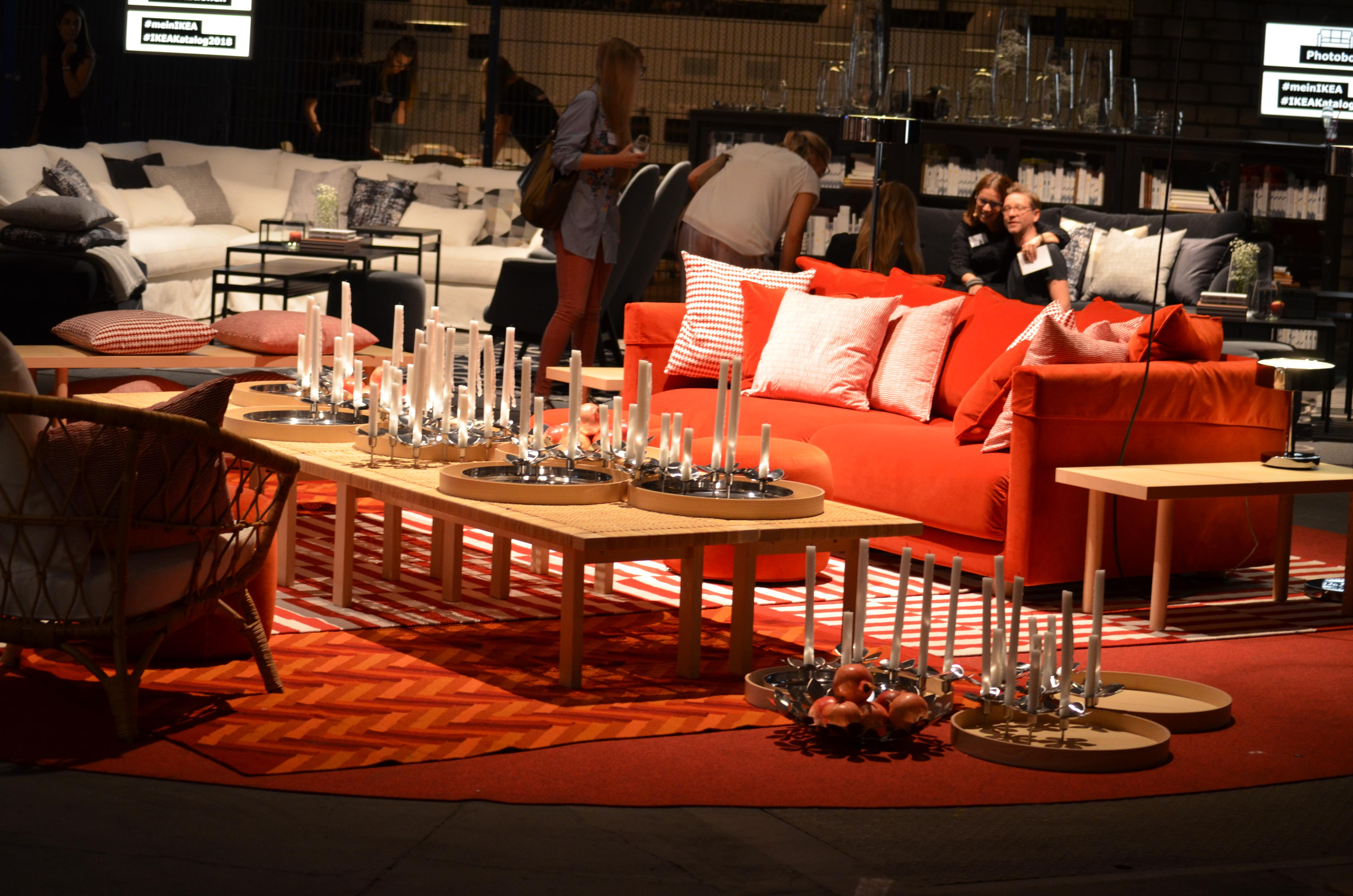 Einblick In Die Vorstellung Des Neuen Ikea Katalogs Hamburg Wohnzimmer Couch