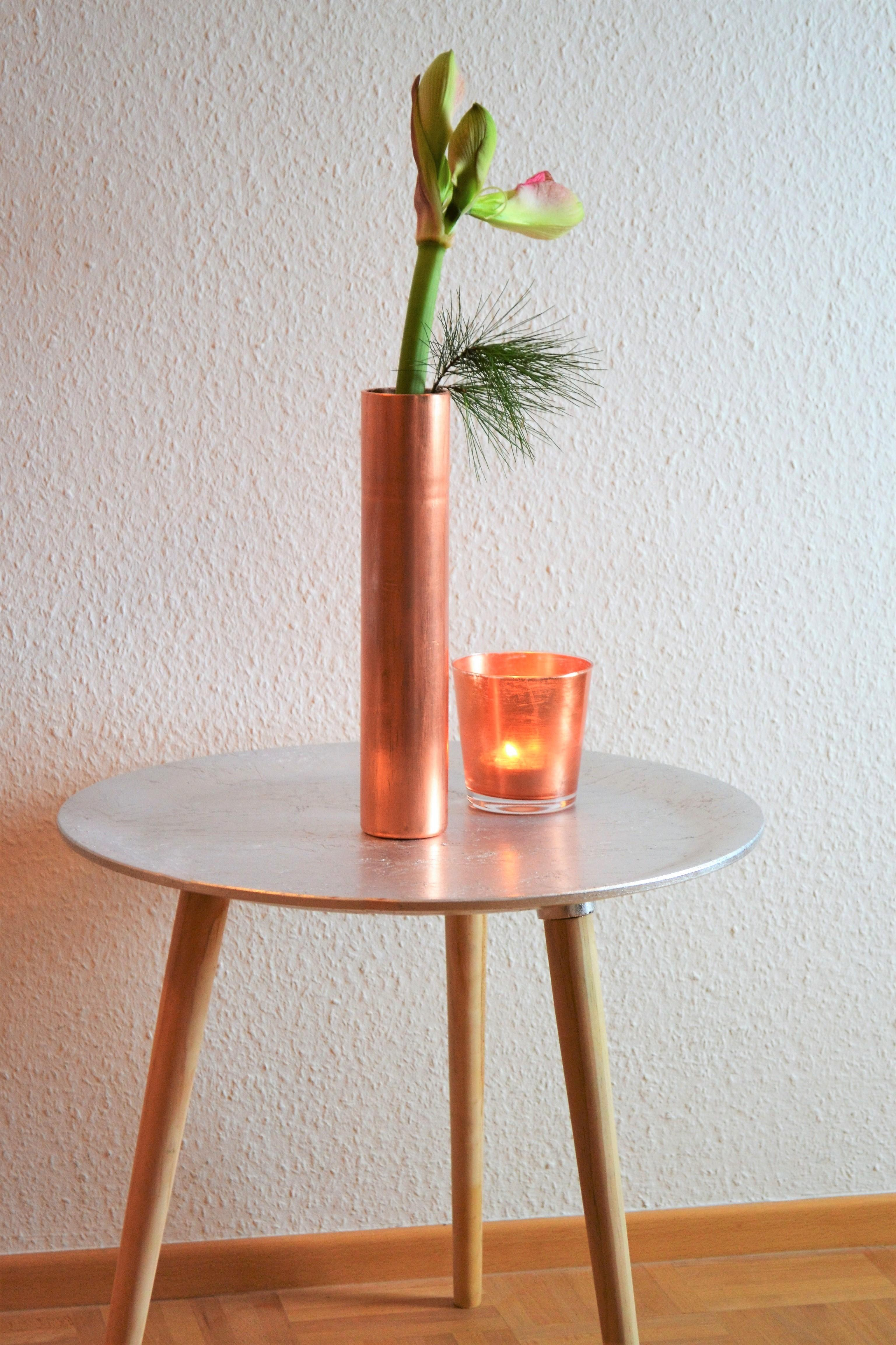 eleganter beistelltisch, versilbert #couchtisch #bei • couchstyle, Wohnzimmer