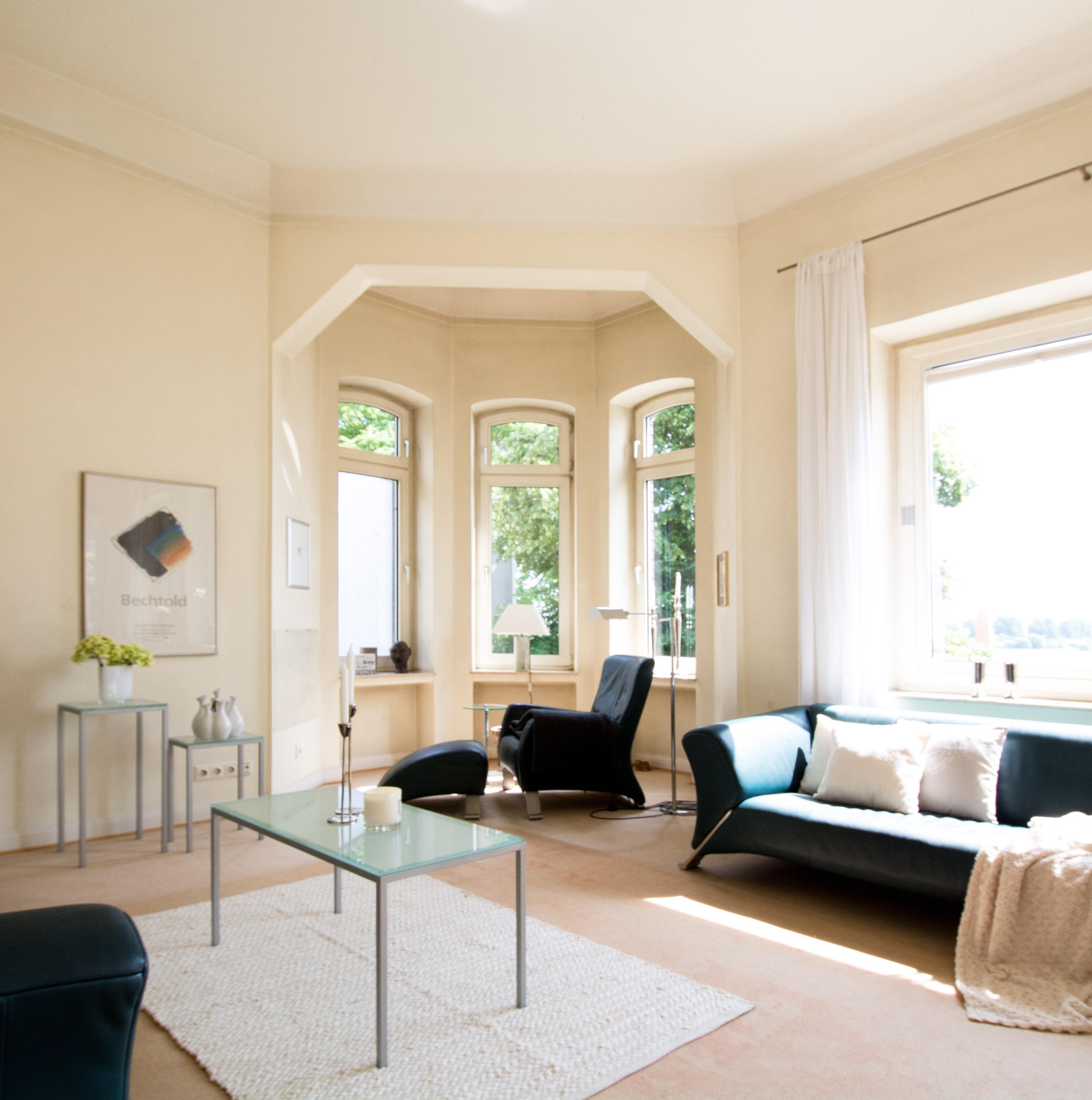 Genial Erkerfenster Ideen Von Erker #glastisch #erker #sofakissen #erkerfenster #sofa #blauessofa