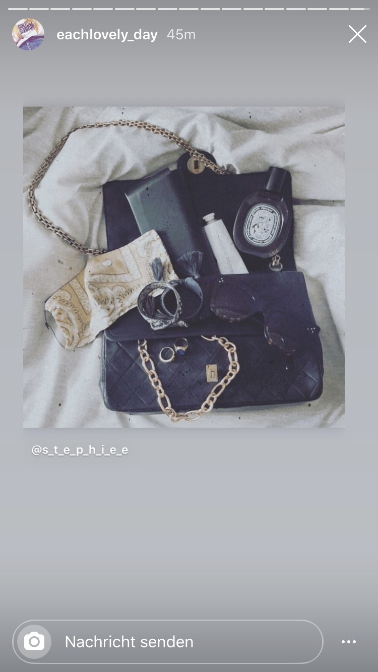 ESSENTIALS 🖤 #fashionchallenge #accessiores #whatsinmybag #details #love