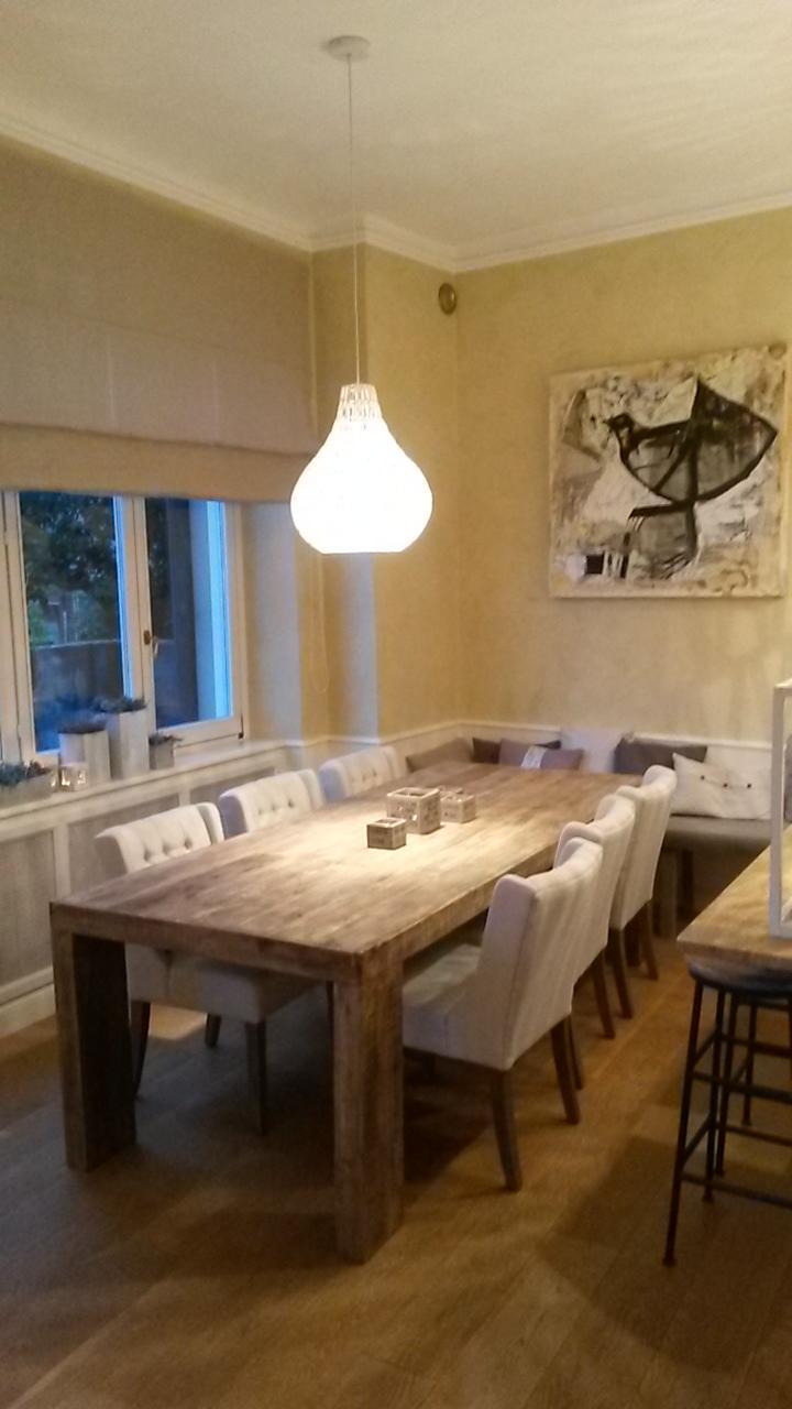 Essplatz In Einer Wohnkuche Esstisch Sitzbank Kor
