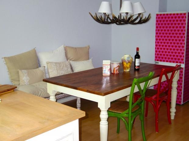 indische schnitzereien in berlin couch. Black Bedroom Furniture Sets. Home Design Ideas