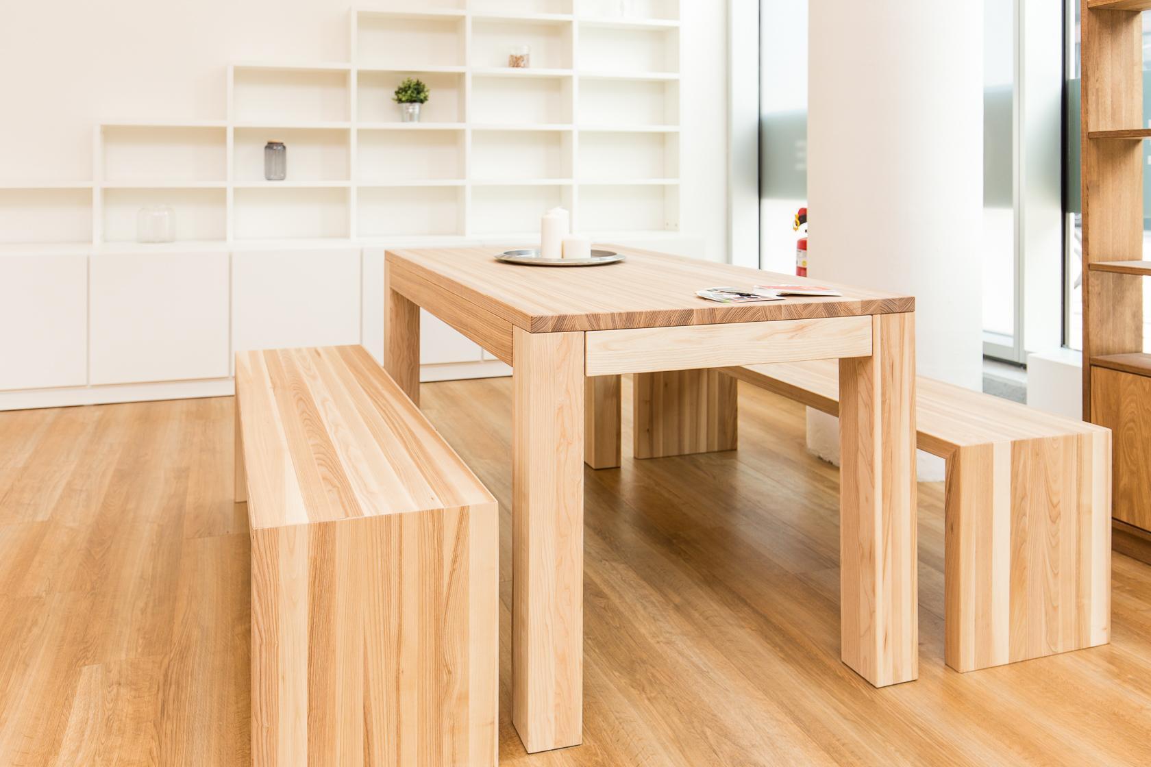 esstisch mit b nken aus eschenholz holztisch essti. Black Bedroom Furniture Sets. Home Design Ideas