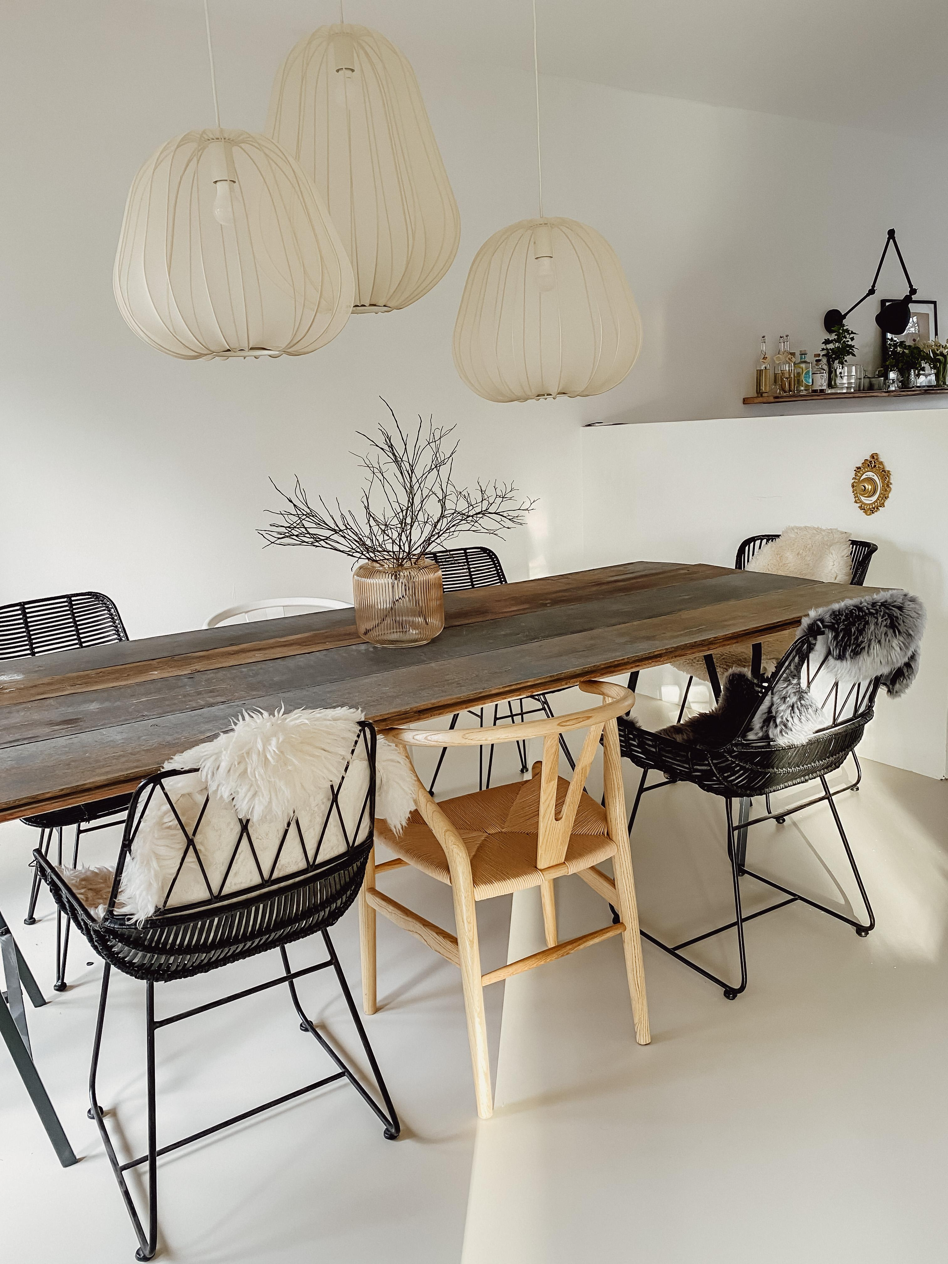 #esszimmer #esstisch #chairs #newlamps #bolia #boliacom #lightning #diningroom #diningtable #hamburg