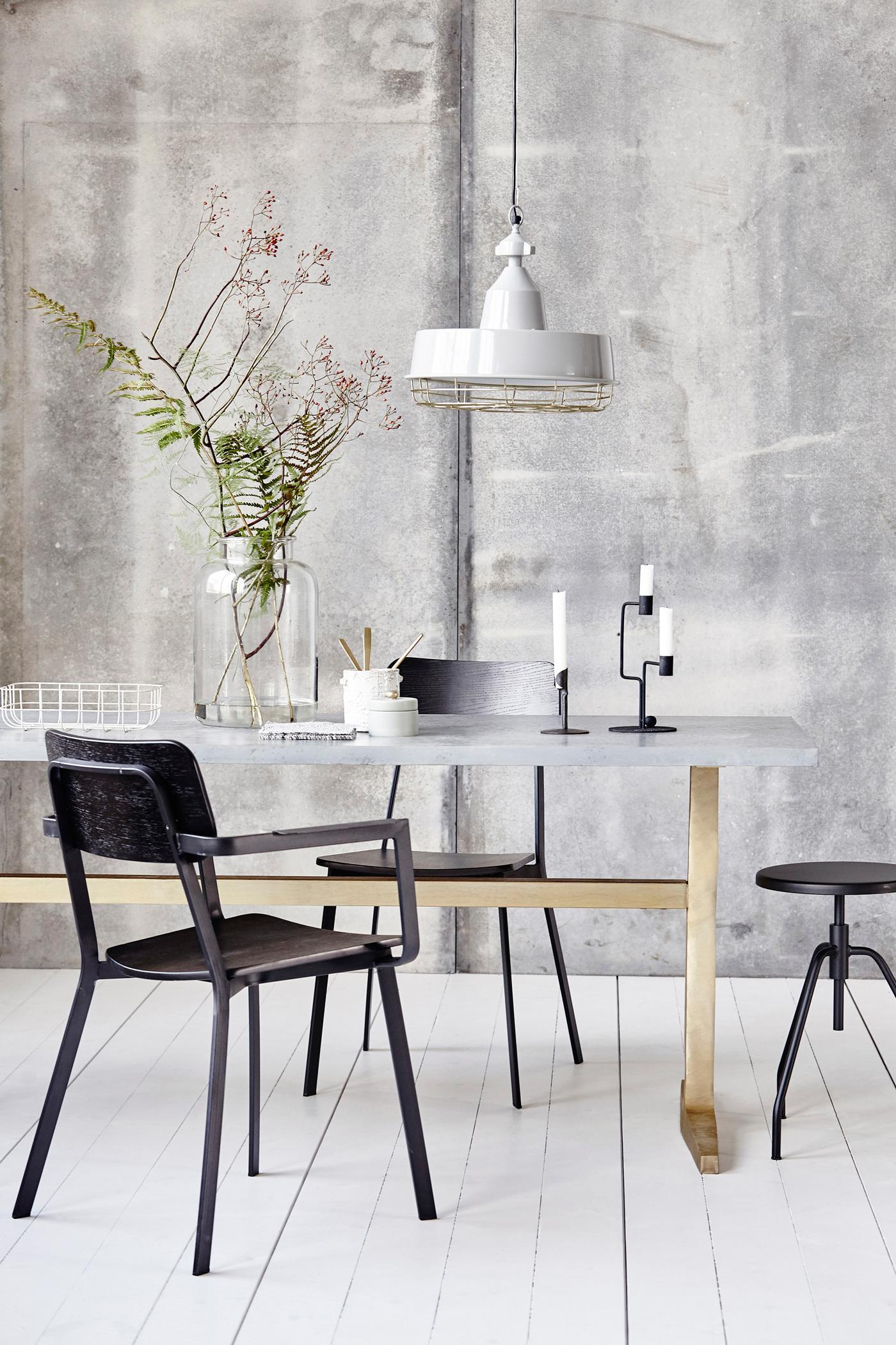 esszimmer im loft style stuhl esstisch kerzenst n. Black Bedroom Furniture Sets. Home Design Ideas