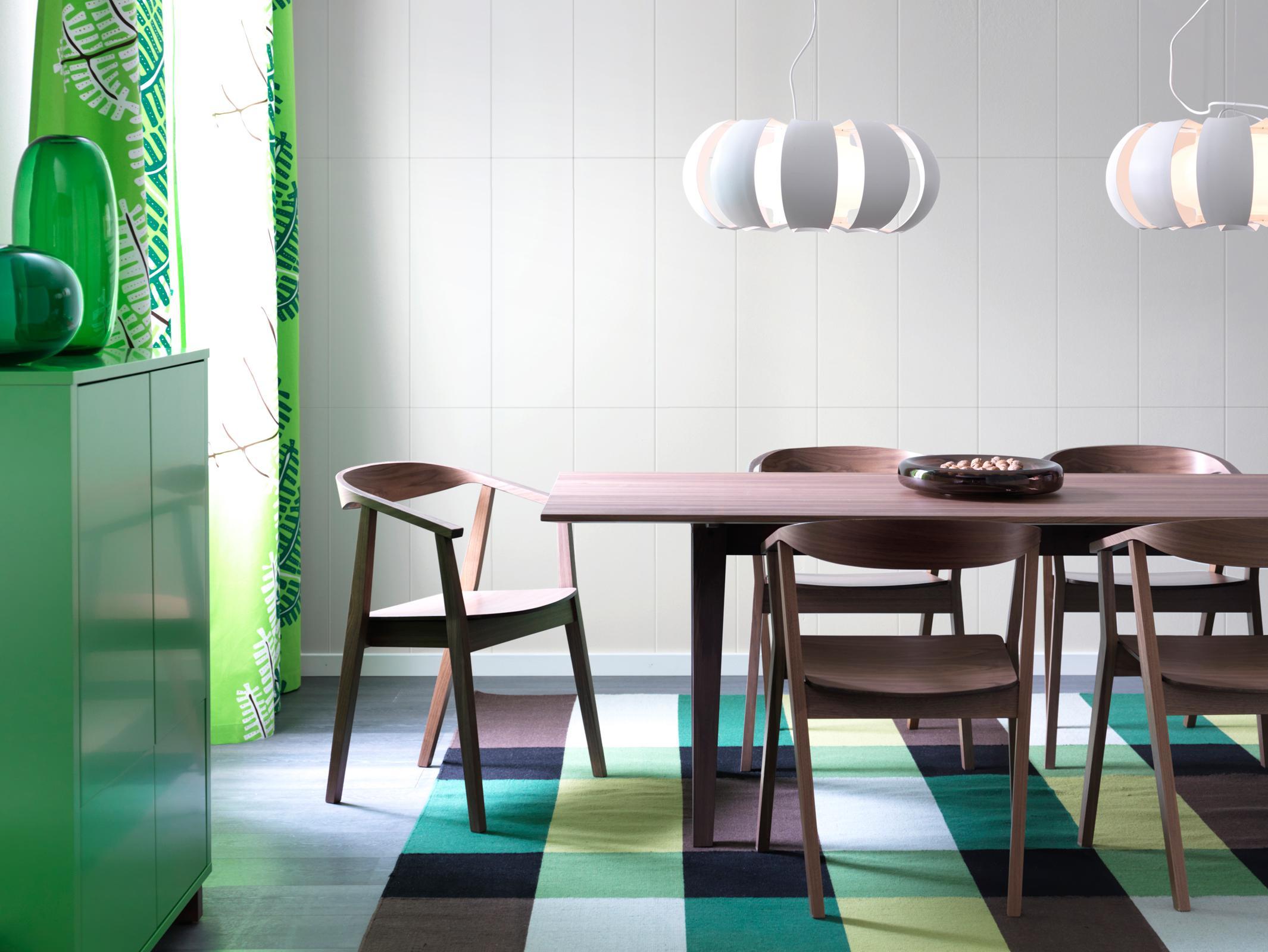 Uberlegen Esszimmer In Braun Und Grün #teppich #esstisch #ikea #hängeleuchte  #weißefliesen #