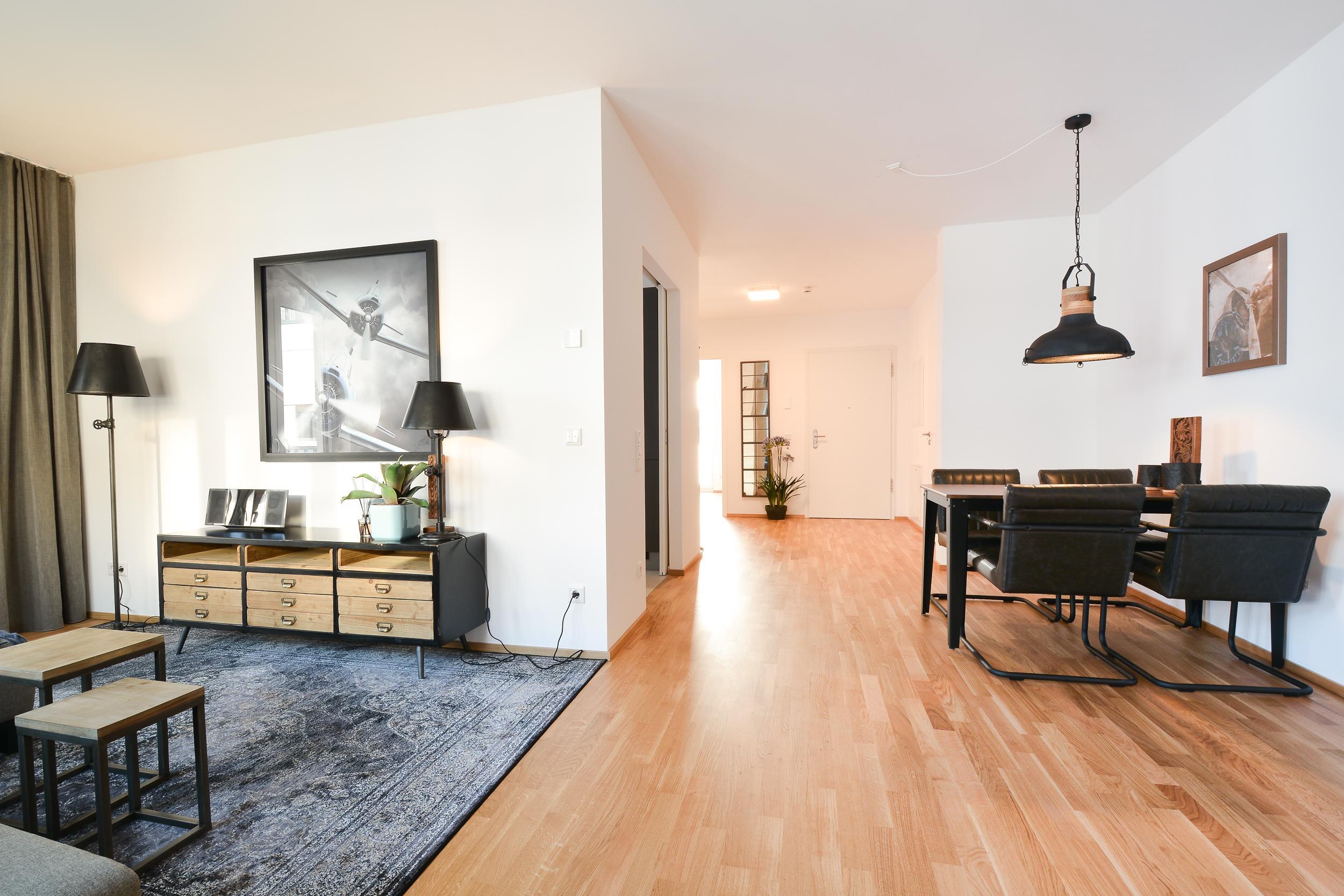 Esszimmer/Wohnzimmer/Flur #industrialdesigntisch #zi...