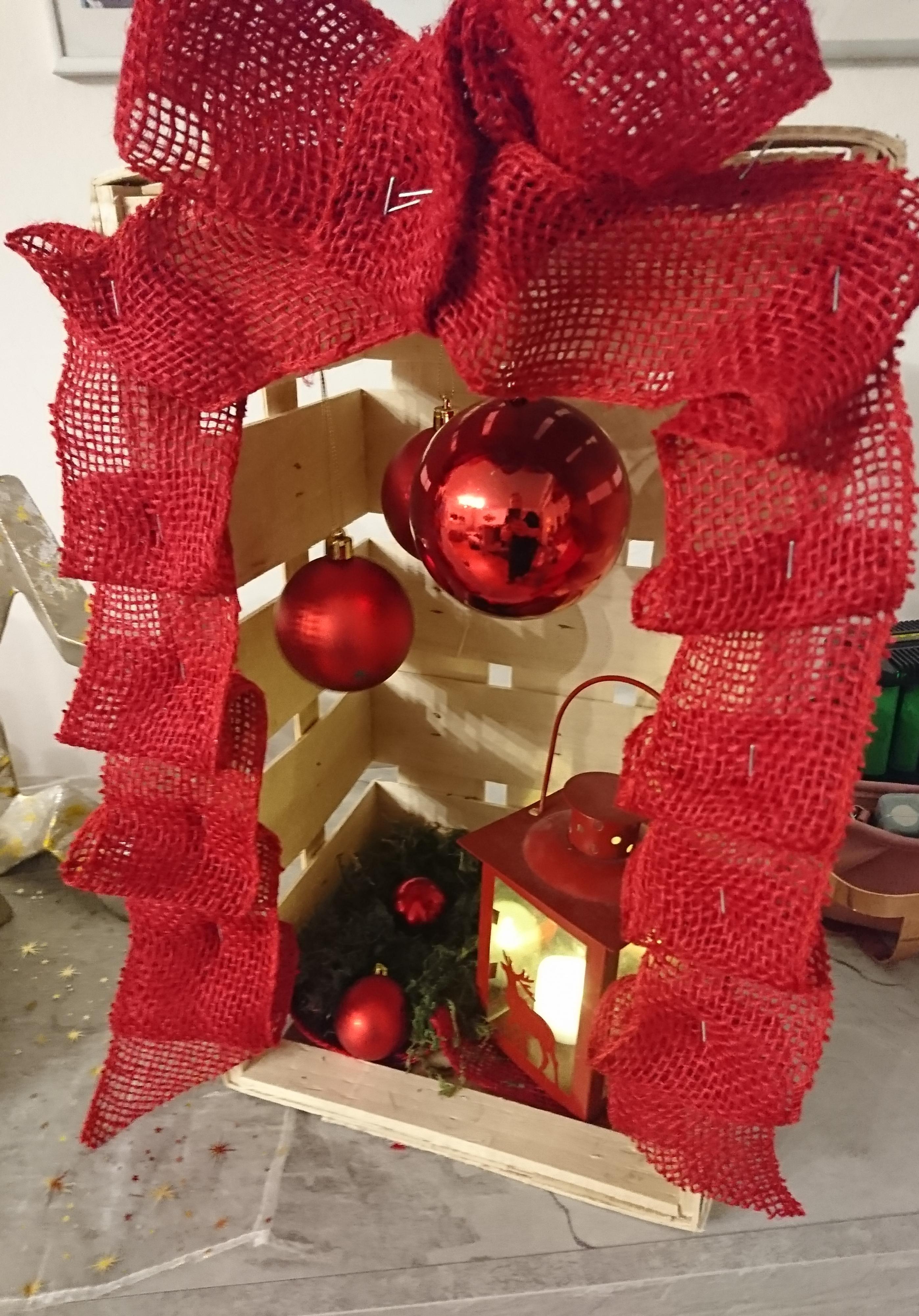 etwas deko f r drau en kerze diy weihnachten rot. Black Bedroom Furniture Sets. Home Design Ideas