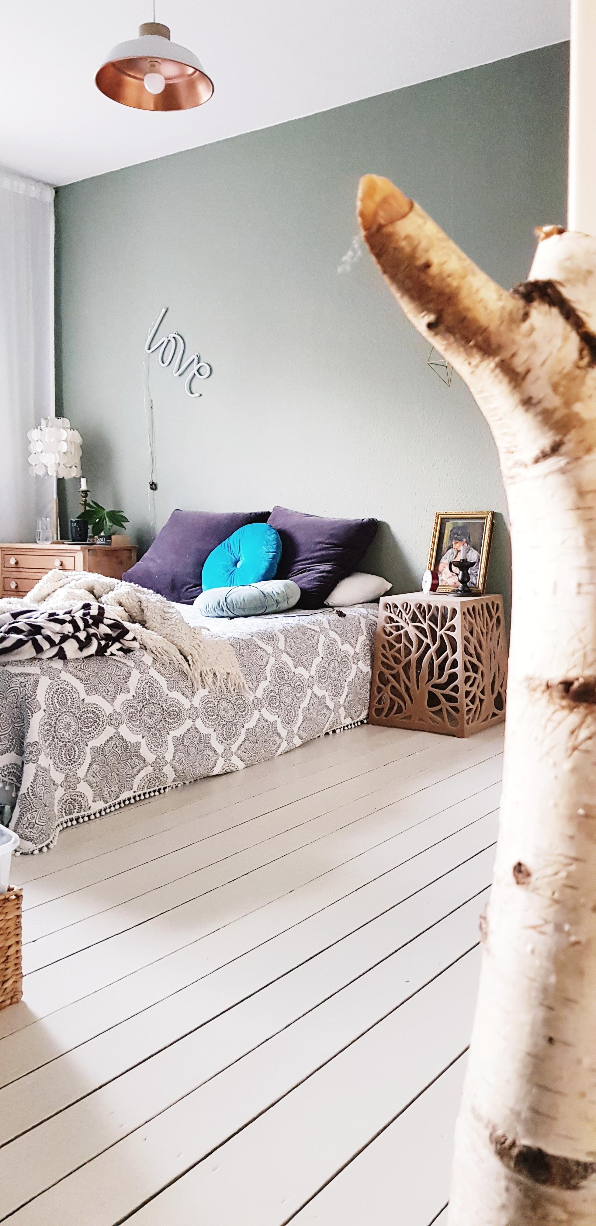 Etwas Farbe #schlafzimmer#diele#Birke