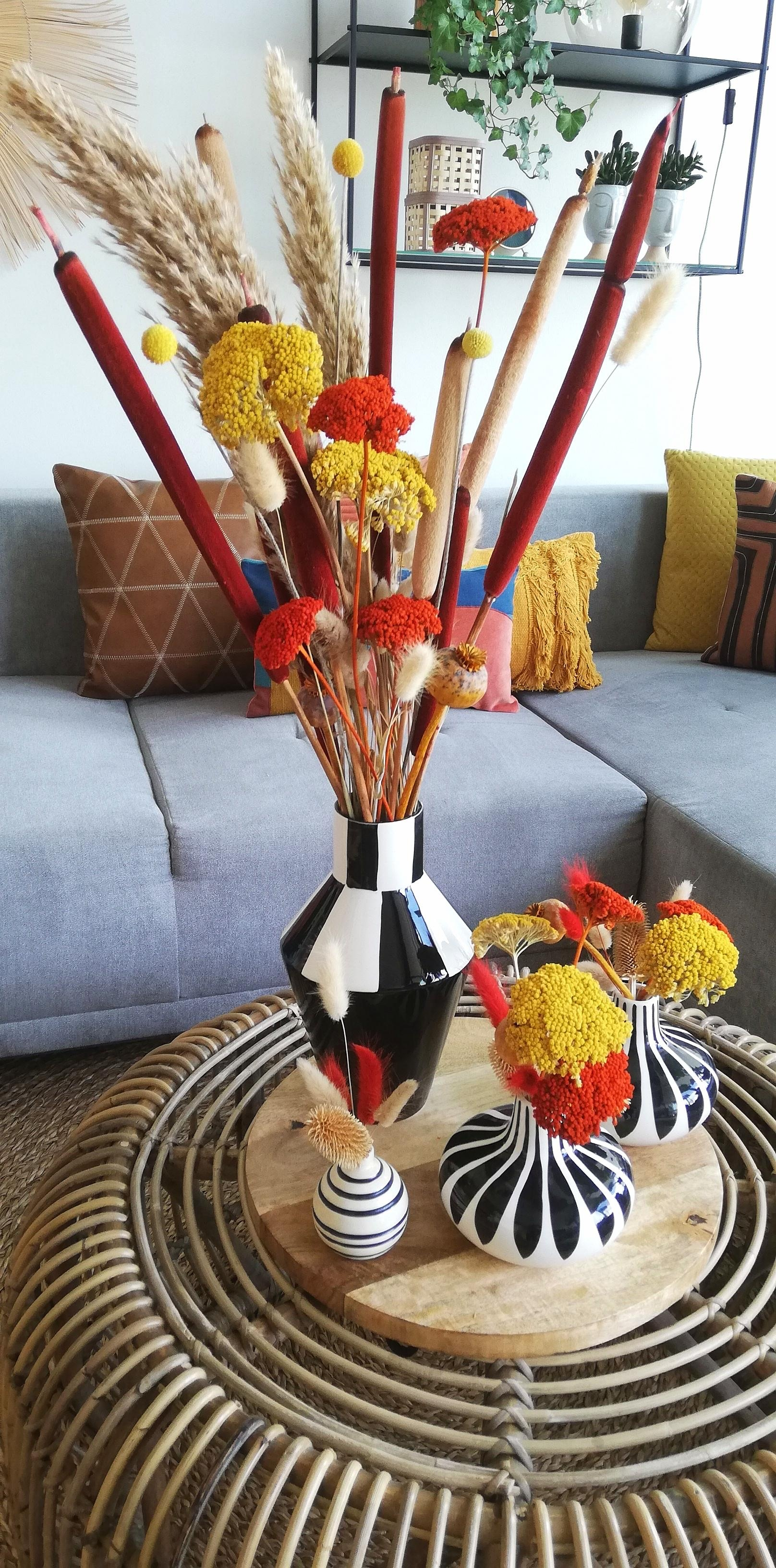 #falldecor #decoration #decor #living #homedecor #home #living #trockenblumen #fall #blackandwhite #vase #design #colour