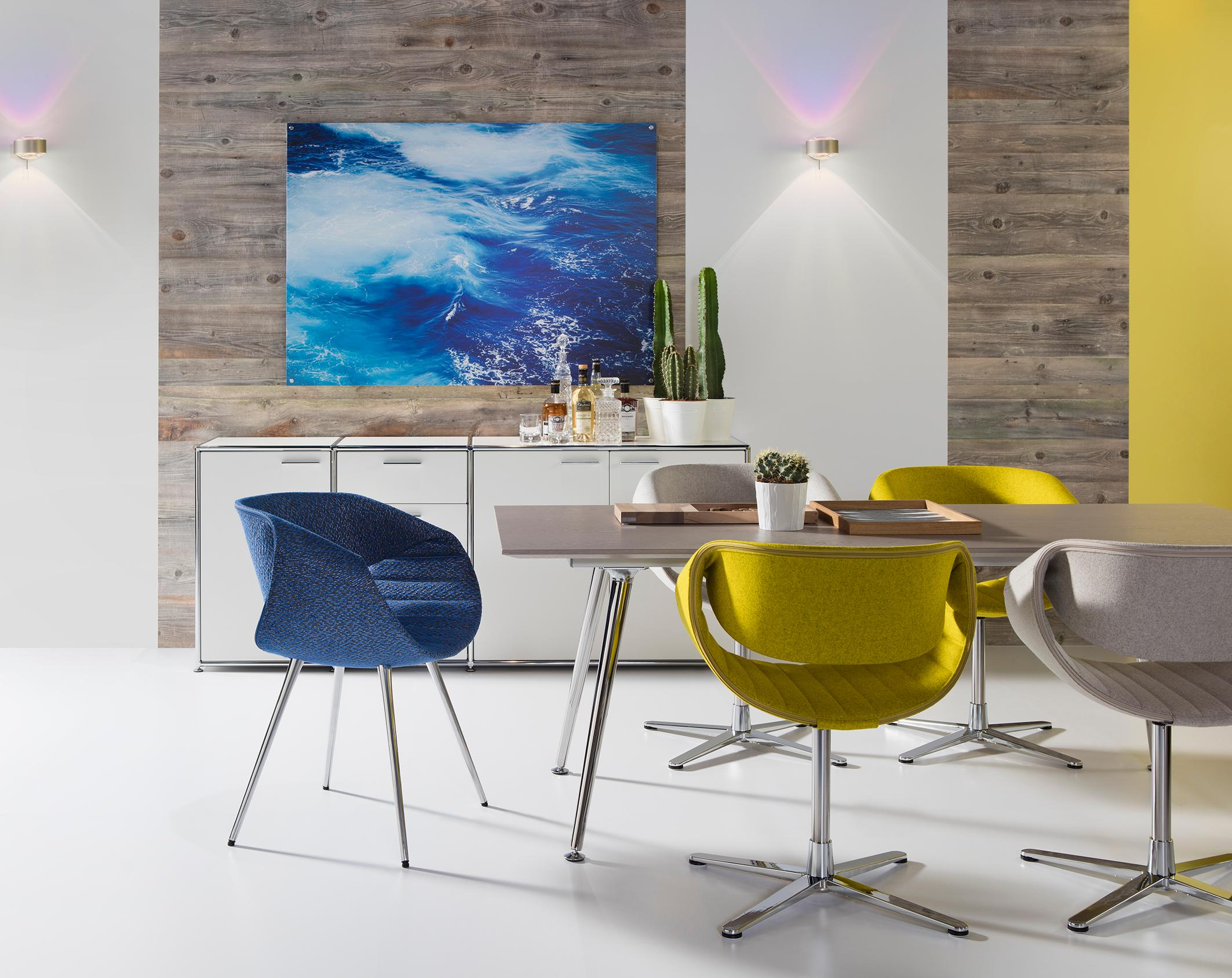 farbenfrohe drehsthle frs esszimmer weierstuhl sitzgelegenheit zimmergestaltung dauphin home designer - Esszimmer Mit Sitzgelegenheiten