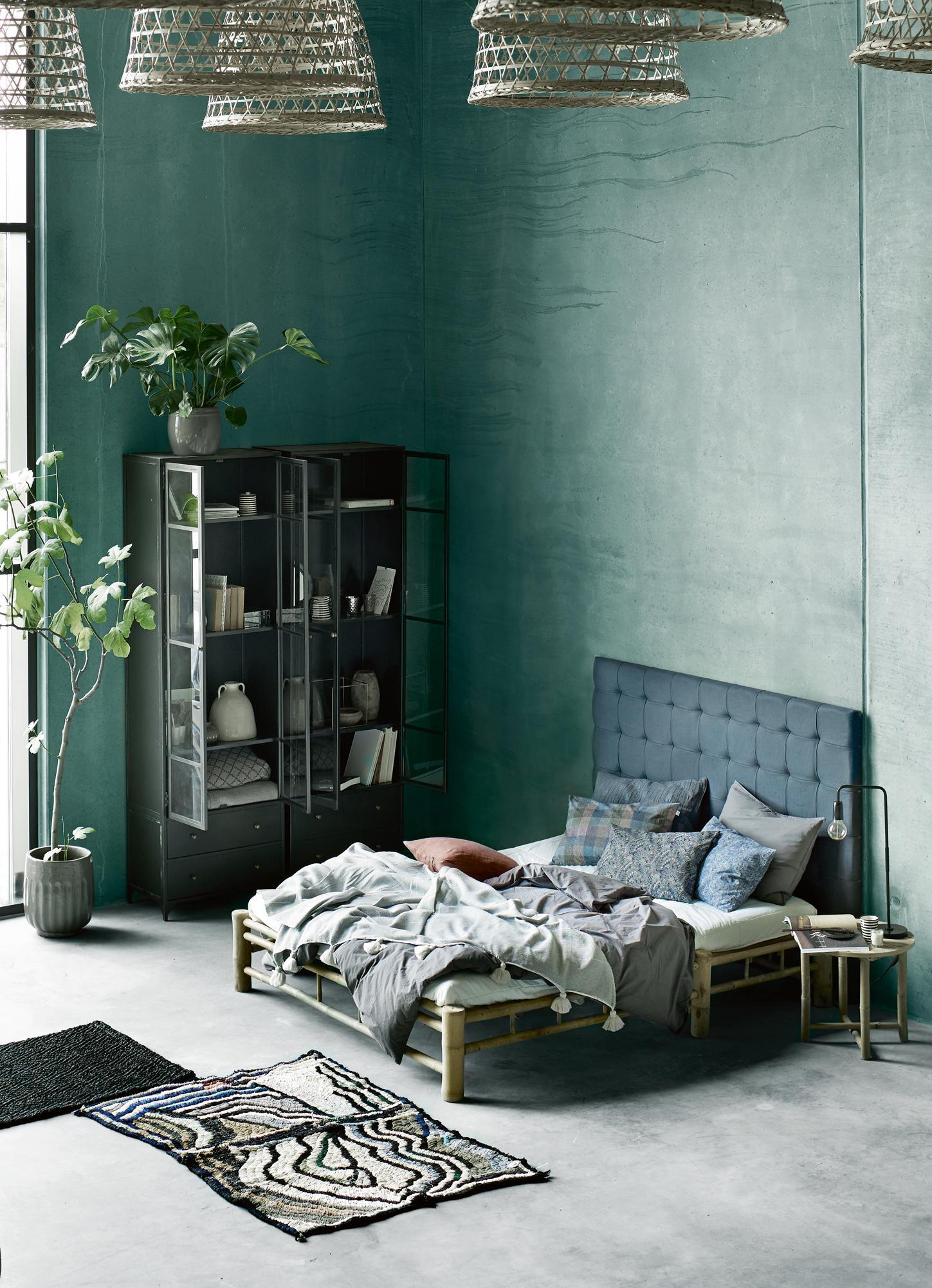 Hochwertig Farbgestaltung Im Schlafzimmer #bett #zimmerpflanze #schlafzimmergestalten  #bettvorleger #zimmergestaltung ©Tine K