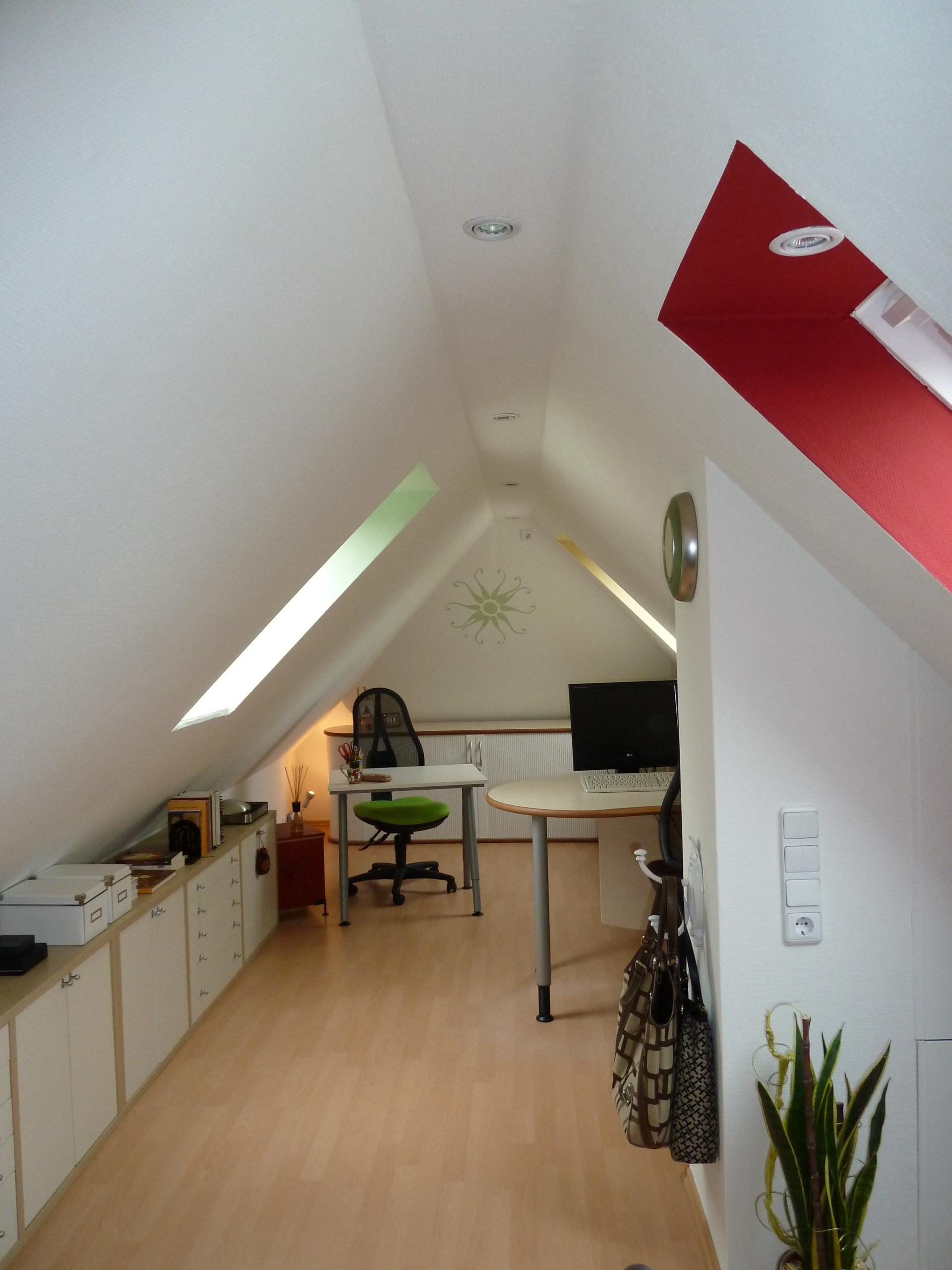 Farbige Fensterrahmen Dachschrage Wandfarbe Compu