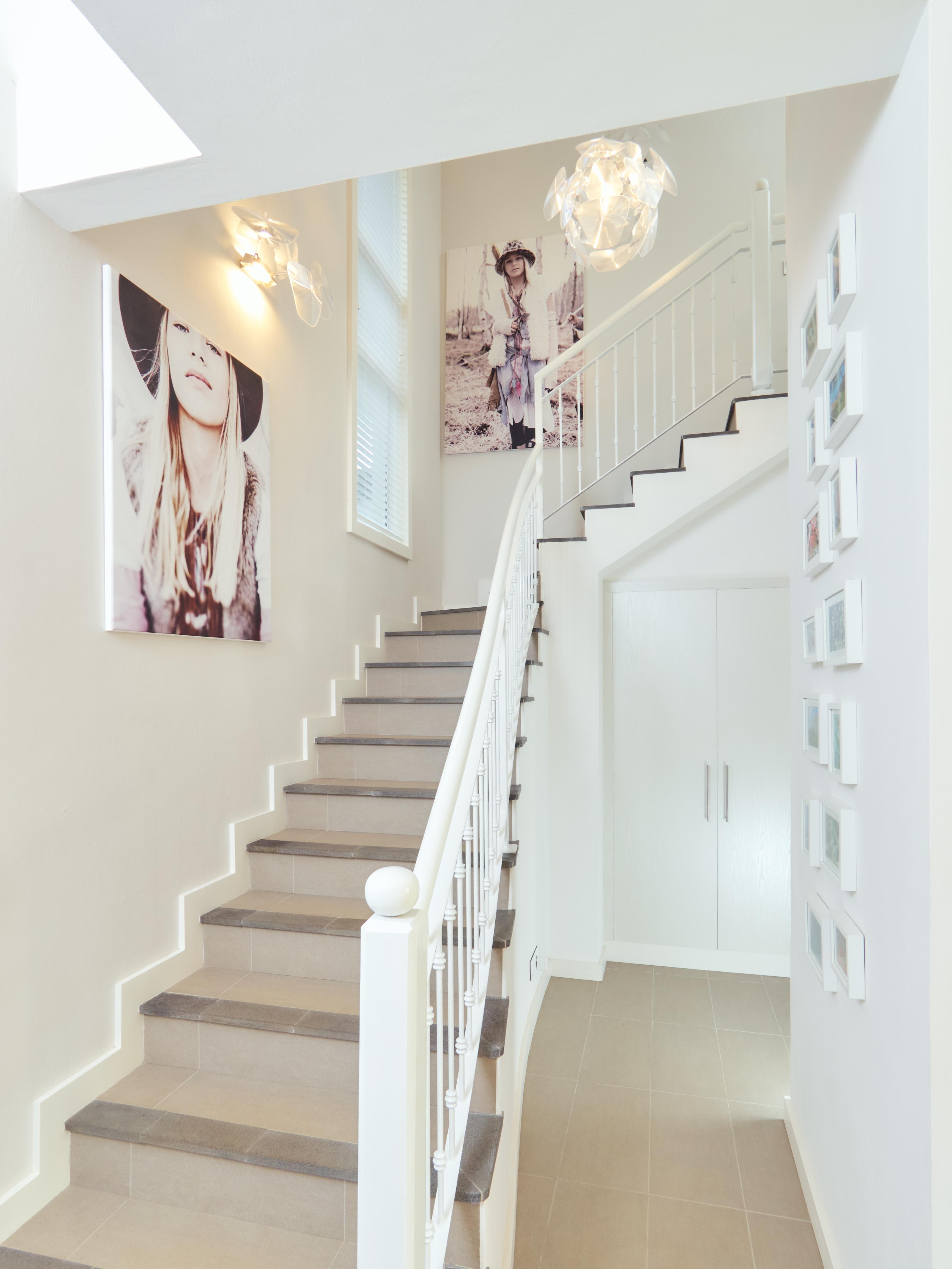 Wandgestaltung f r den flur bilder ideen couch - Dunkelblaue couch welche wandfarbe ...