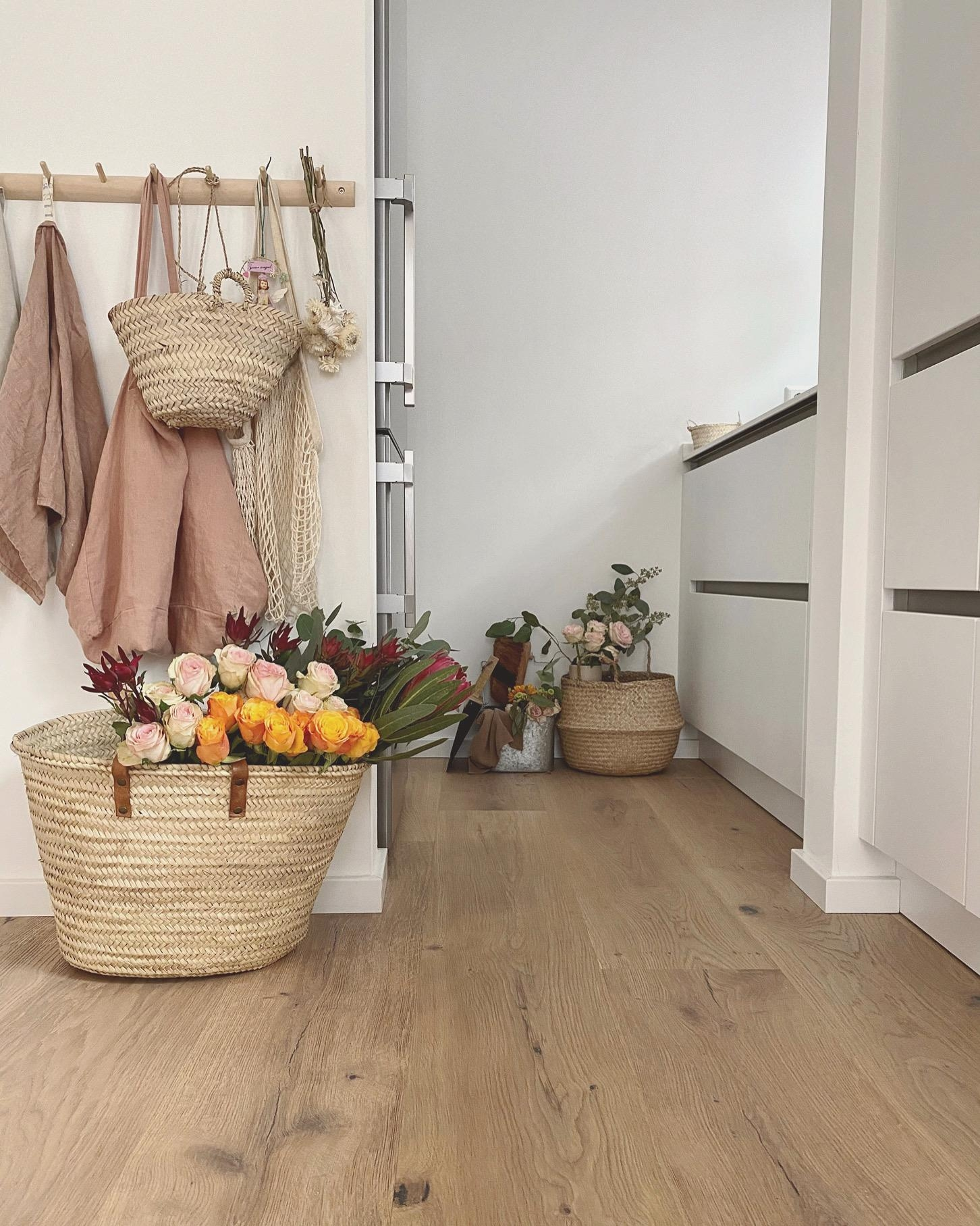 Flowers and baskets, always a lovely combo 🧡