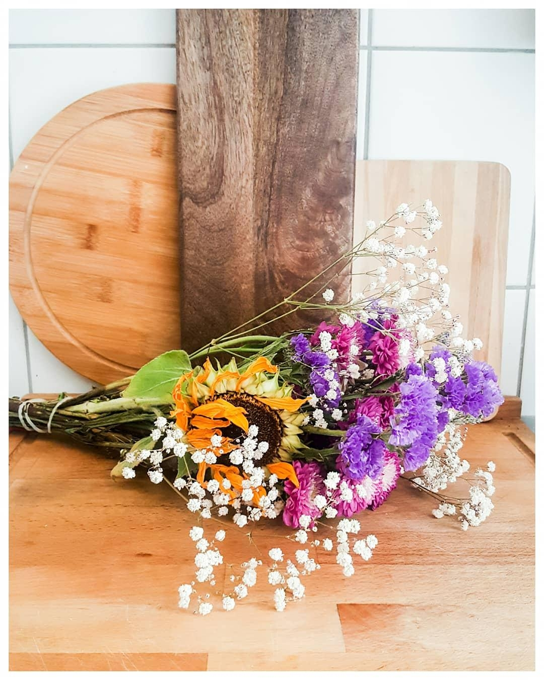 #flowers#wood#kitchen