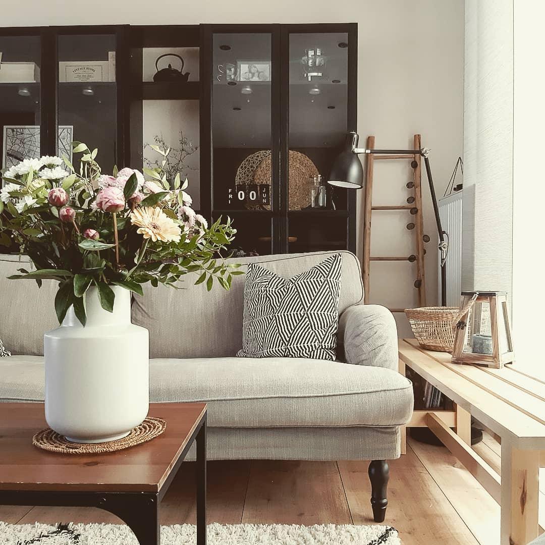 Schrank Einrichtungsideen Mit Dem Mobel Bei Couch